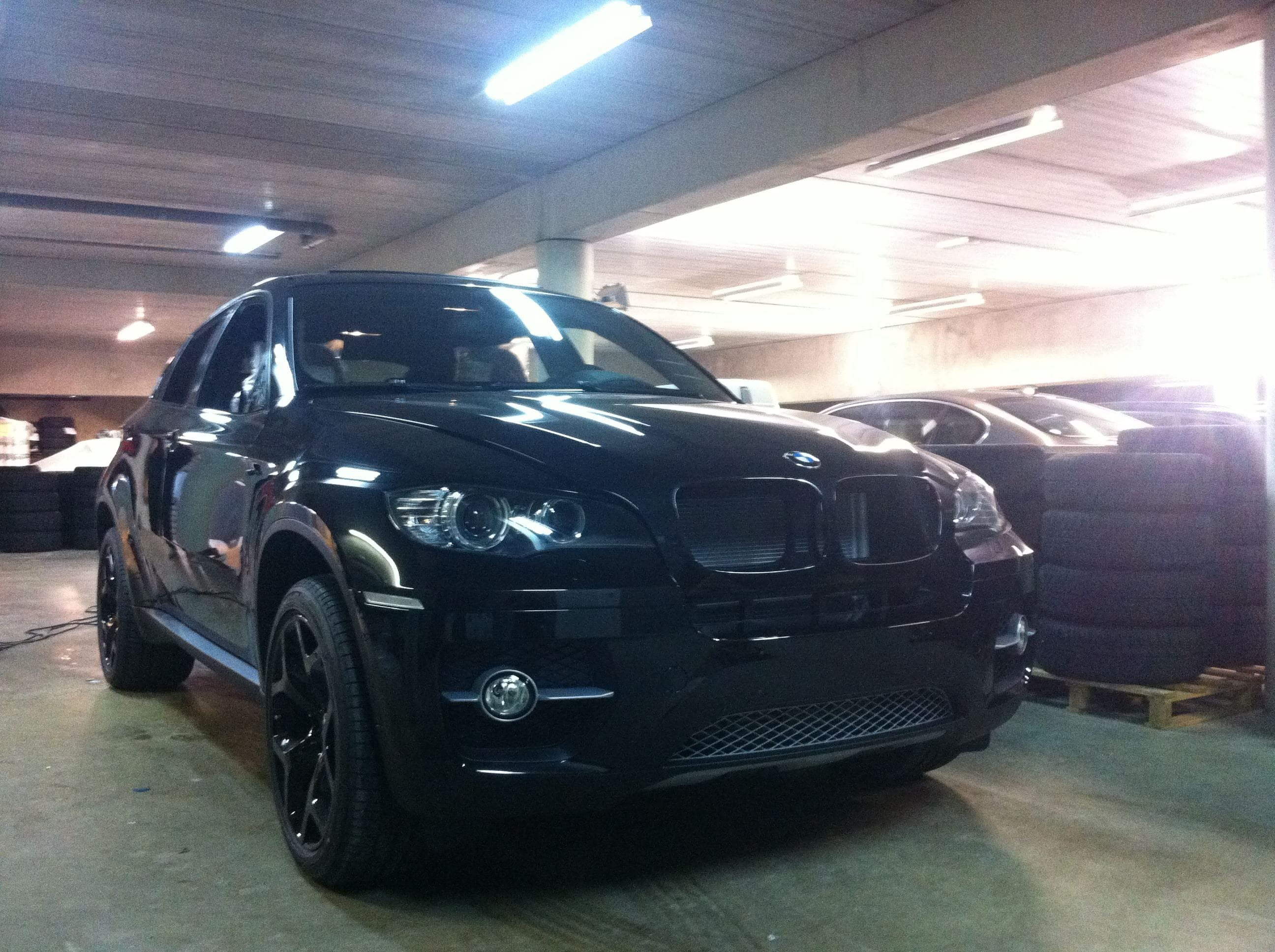 BMW X6 met Mat Zwarte Wrap, Carwrapping door Wrapmyride.nu Foto-nr:5493, ©2020