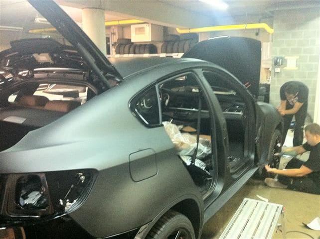 BMW X6 met Mat Zwarte Wrap, Carwrapping door Wrapmyride.nu Foto-nr:5495, ©2020