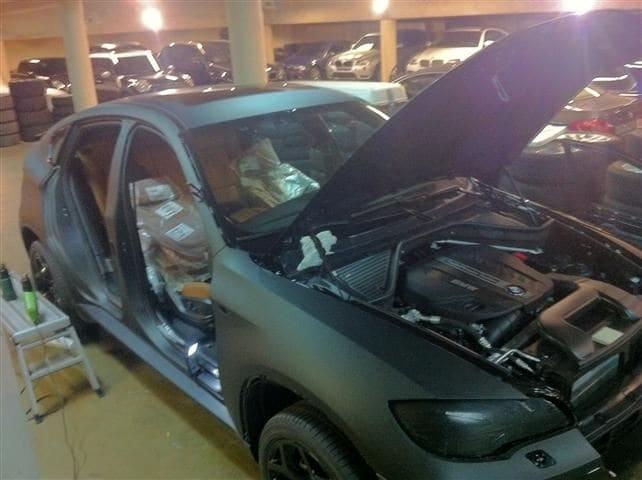 BMW X6 met Mat Zwarte Wrap, Carwrapping door Wrapmyride.nu Foto-nr:5496, ©2020