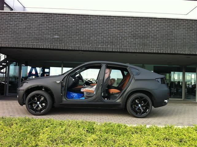 BMW X6 met Mat Zwarte Wrap, Carwrapping door Wrapmyride.nu Foto-nr:5498, ©2020