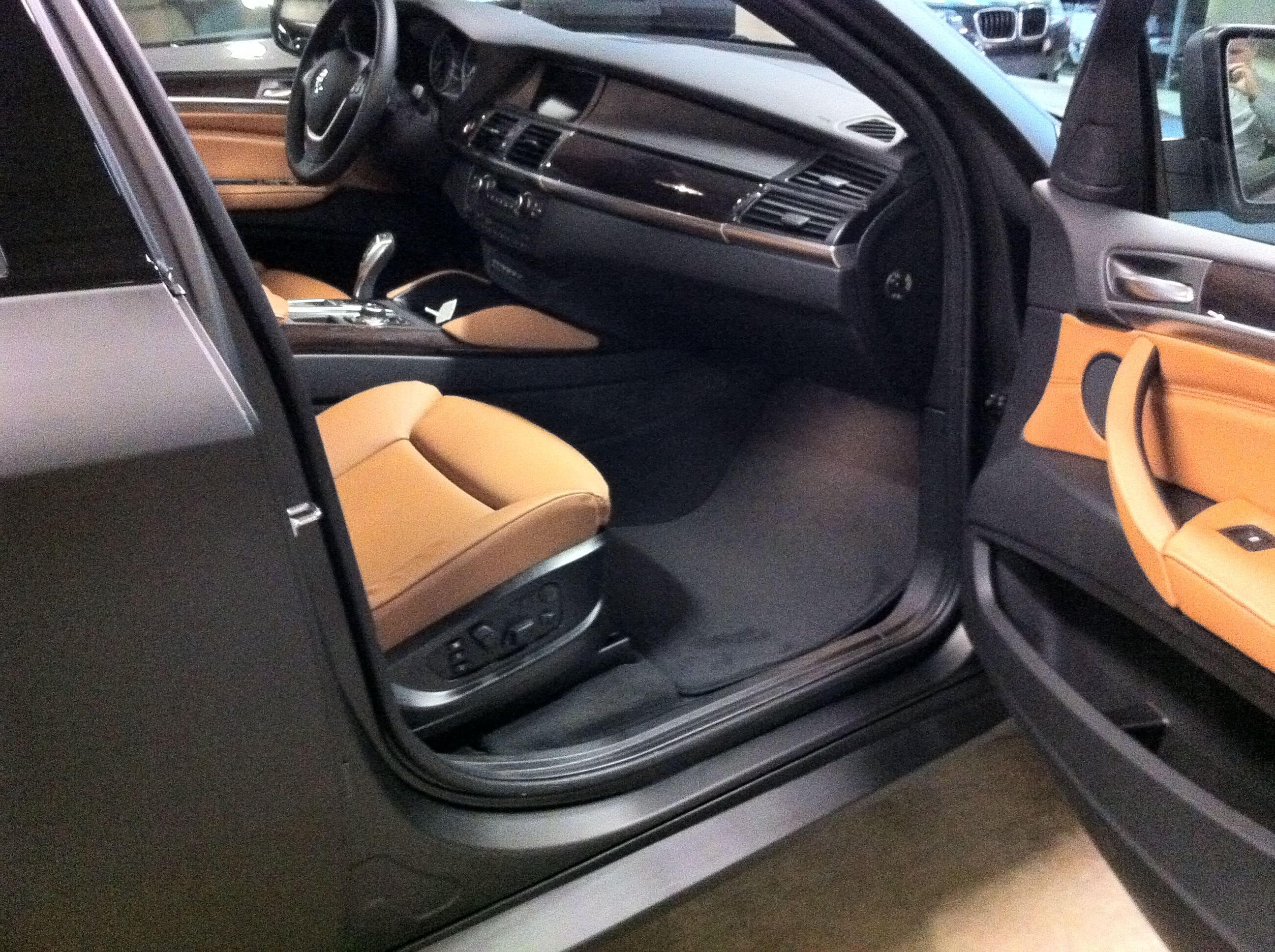 BMW X6 met Mat Zwarte Wrap, Carwrapping door Wrapmyride.nu Foto-nr:5490, ©2020