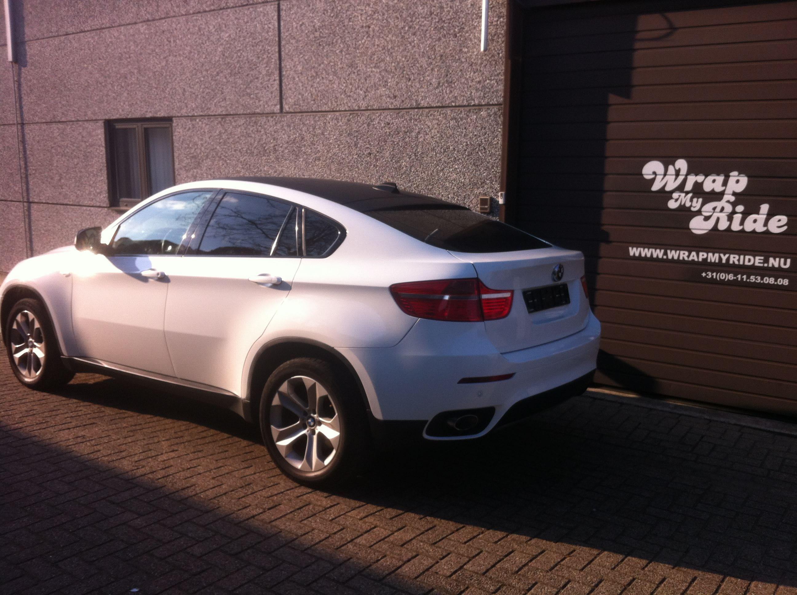 BMW X6 met Metallic Witte Wrap, Carwrapping door Wrapmyride.nu Foto-nr:5505, ©2021