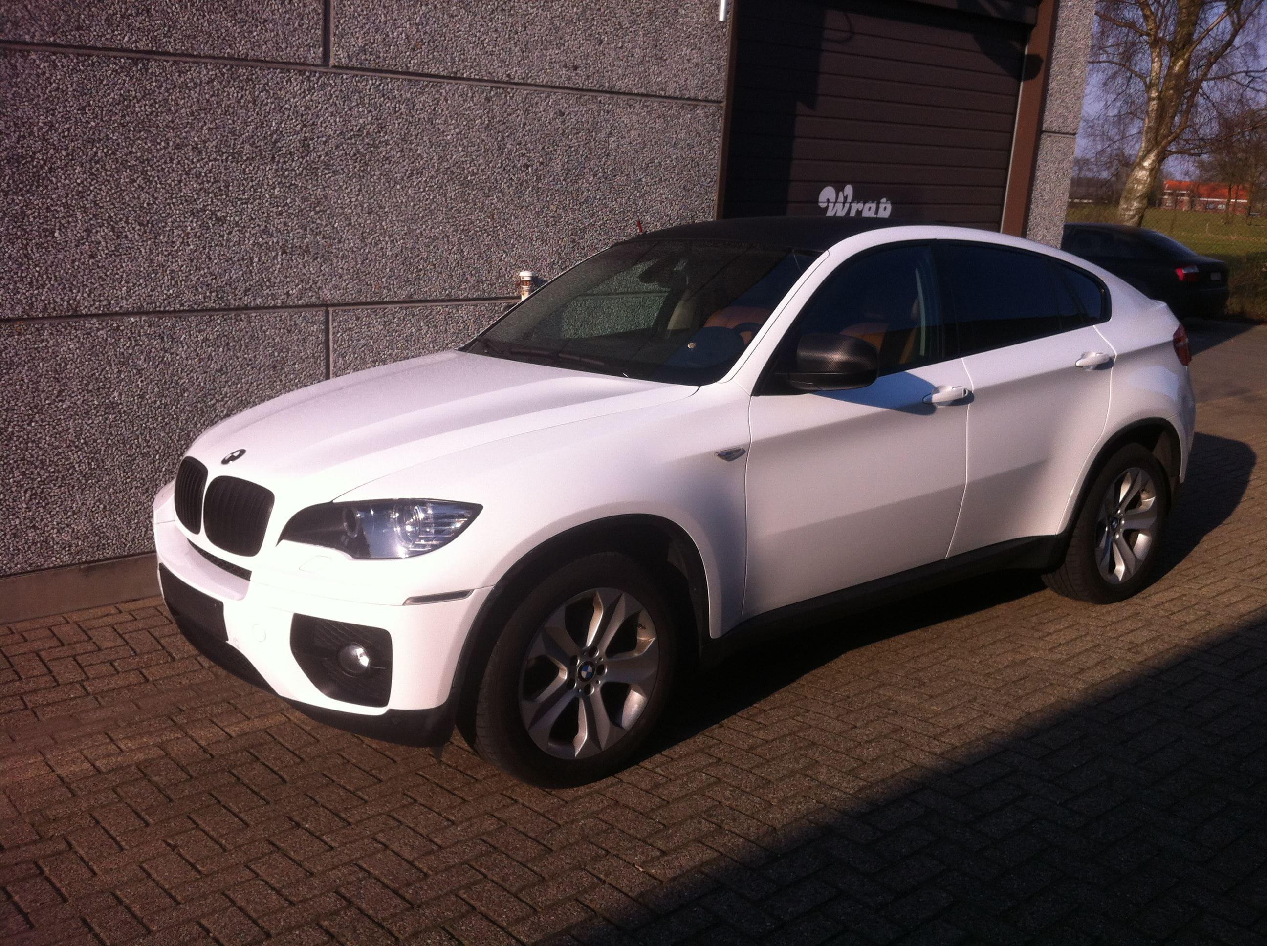 BMW X6 met Metallic Witte Wrap, Carwrapping door Wrapmyride.nu Foto-nr:5506, ©2021