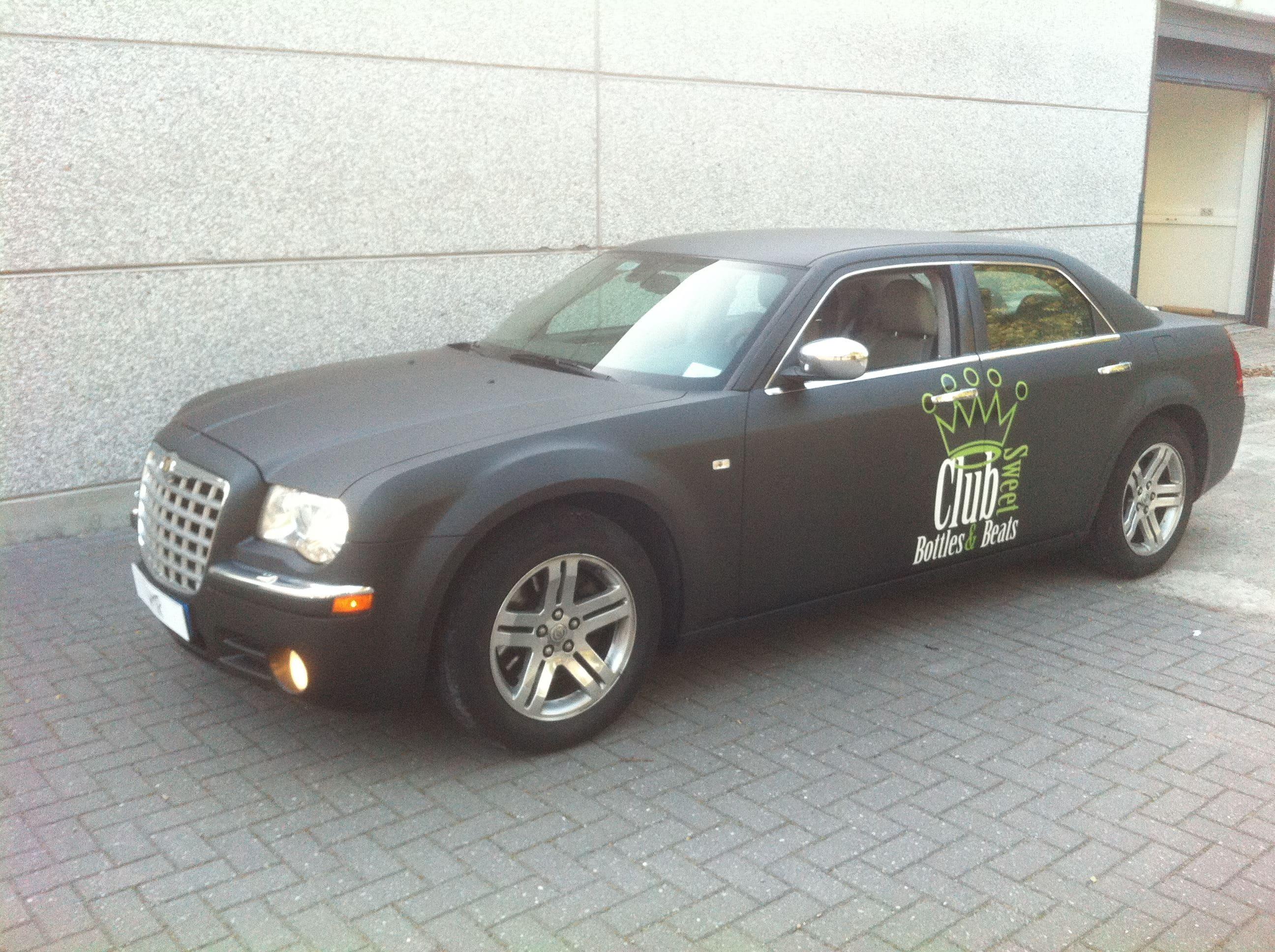 Chrysler 300c voor Club Sweet, Carwrapping door Wrapmyride.nu Foto-nr:5576, ©2020