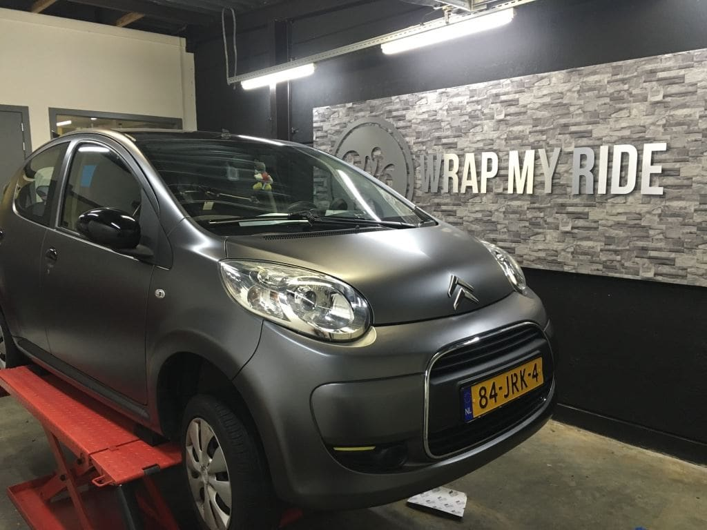 Citroen C1 satin Dark grey, Carwrapping door Wrapmyride.nu Foto-nr:8828, ©2021