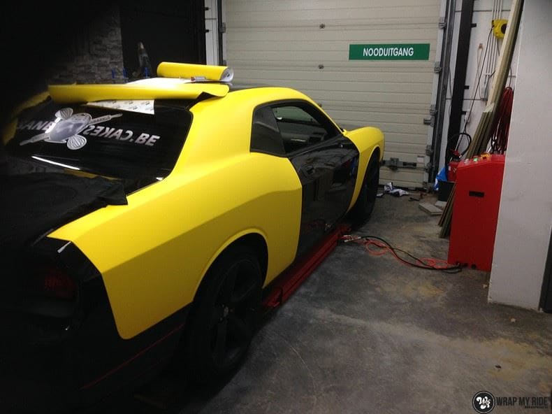 Dodge Challenger matte yellow, Carwrapping door Wrapmyride.nu Foto-nr:8489, ©2020
