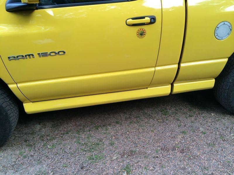 Dodge Ram Bumblebee Striping, Carwrapping door Wrapmyride.nu Foto-nr:7436, ©2021