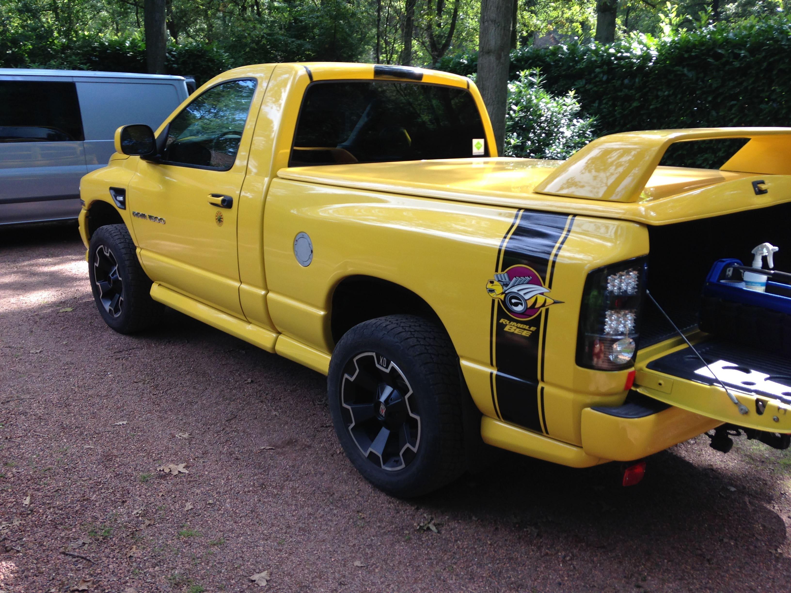 Dodge Ram Bumblebee Striping, Carwrapping door Wrapmyride.nu Foto-nr:7439, ©2021