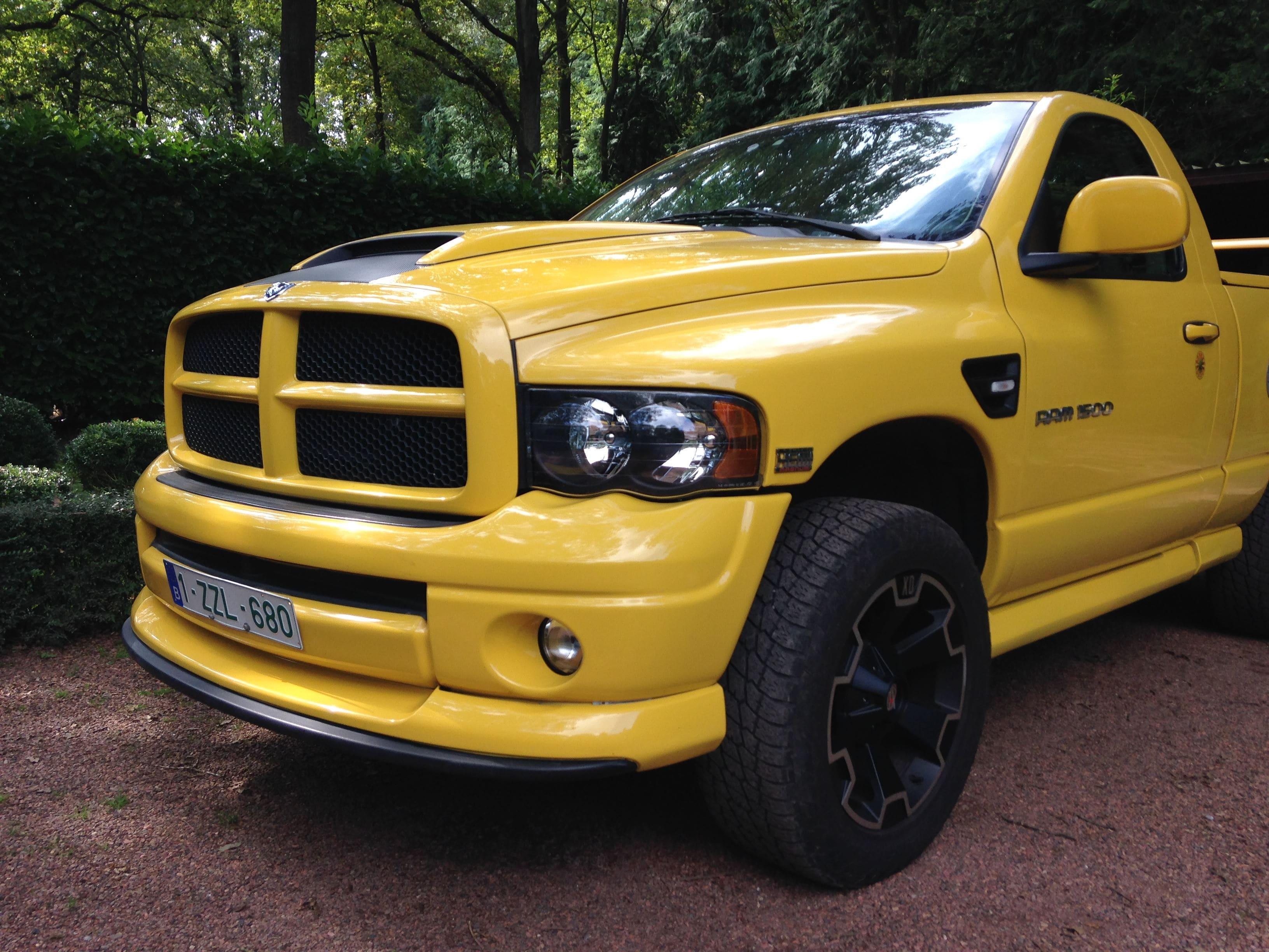 Dodge Ram Bumblebee Striping, Carwrapping door Wrapmyride.nu Foto-nr:7440, ©2021