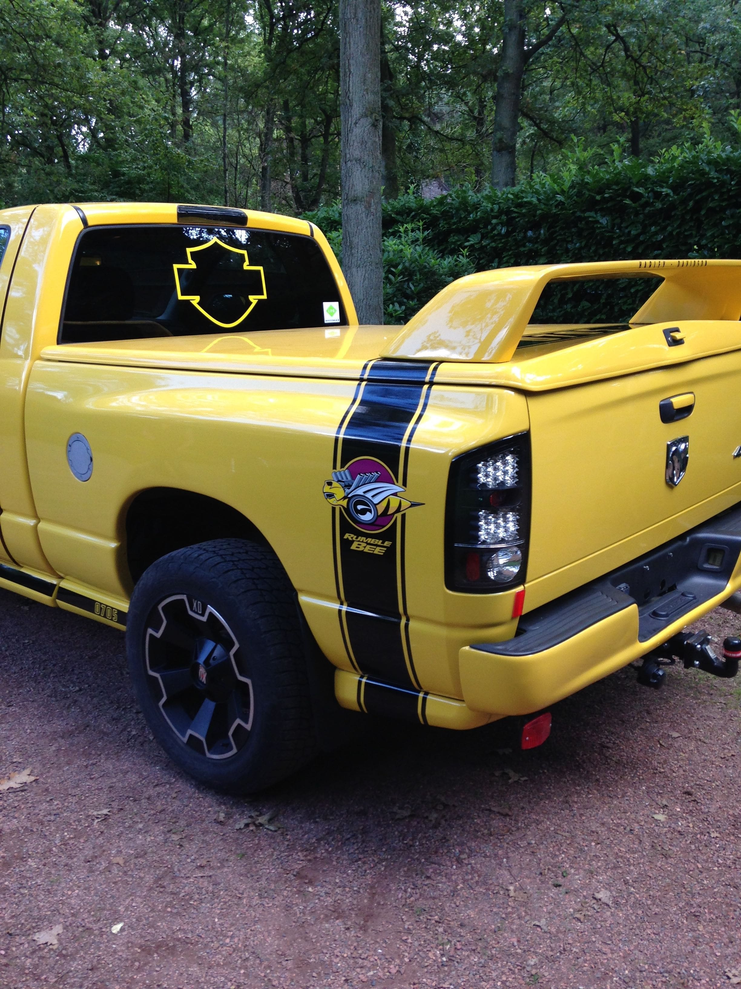 Dodge Ram Bumblebee Striping, Carwrapping door Wrapmyride.nu Foto-nr:7444, ©2021