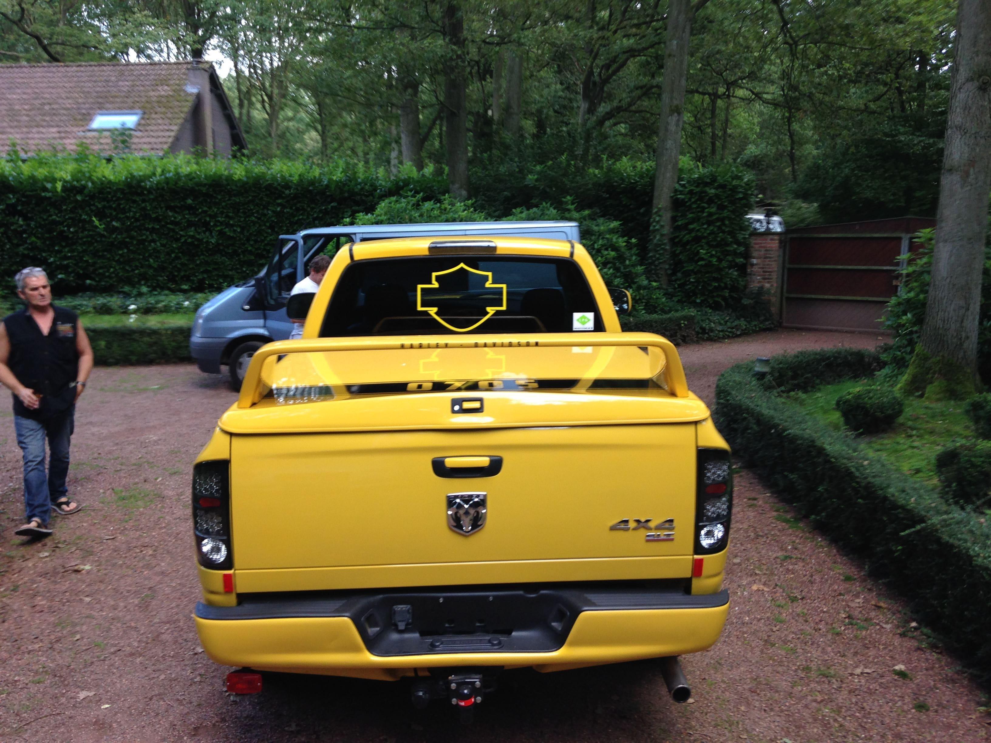 Dodge Ram Bumblebee Striping, Carwrapping door Wrapmyride.nu Foto-nr:7445, ©2021