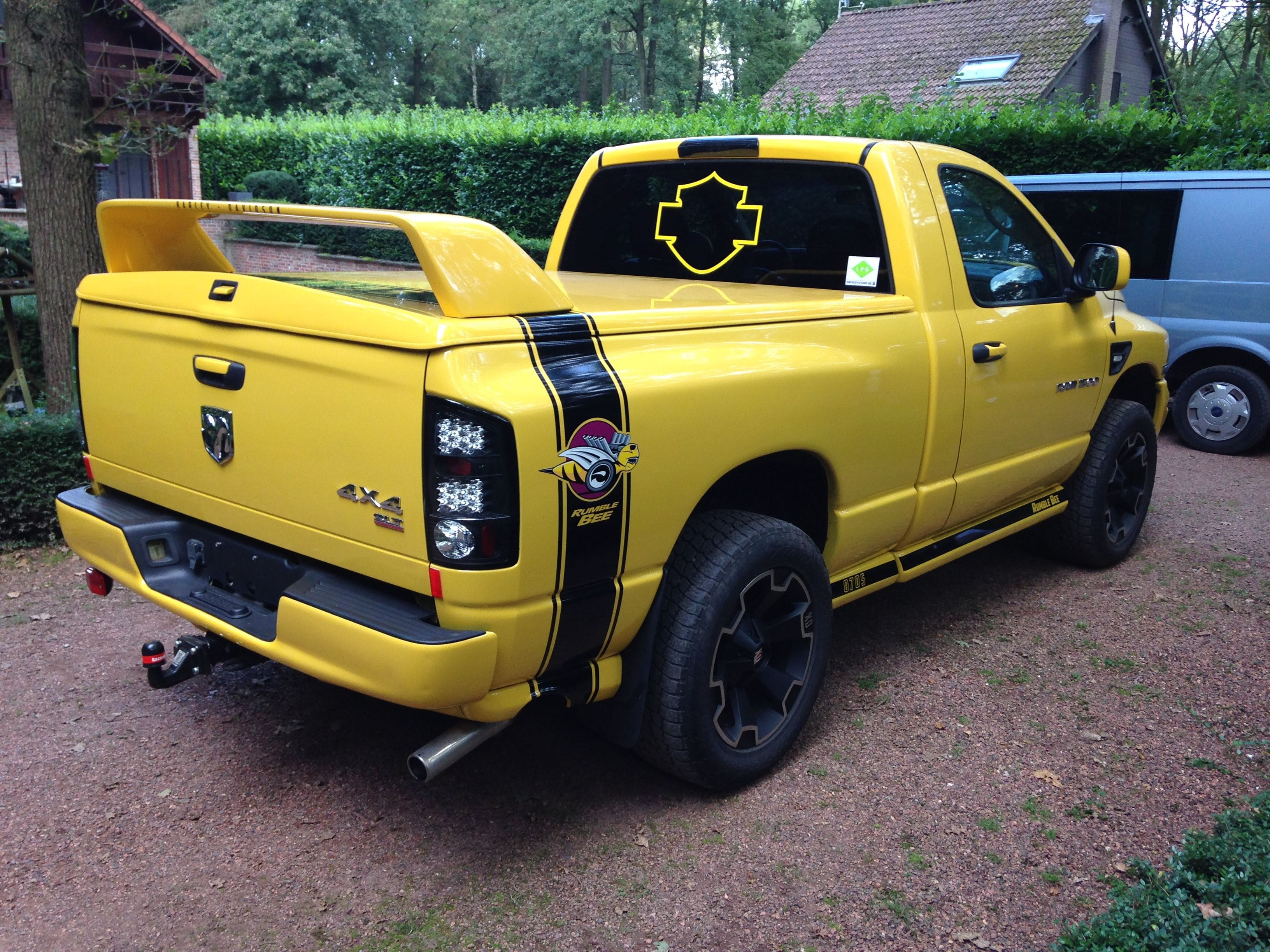 Dodge Ram Bumblebee Striping, Carwrapping door Wrapmyride.nu Foto-nr:7446, ©2021