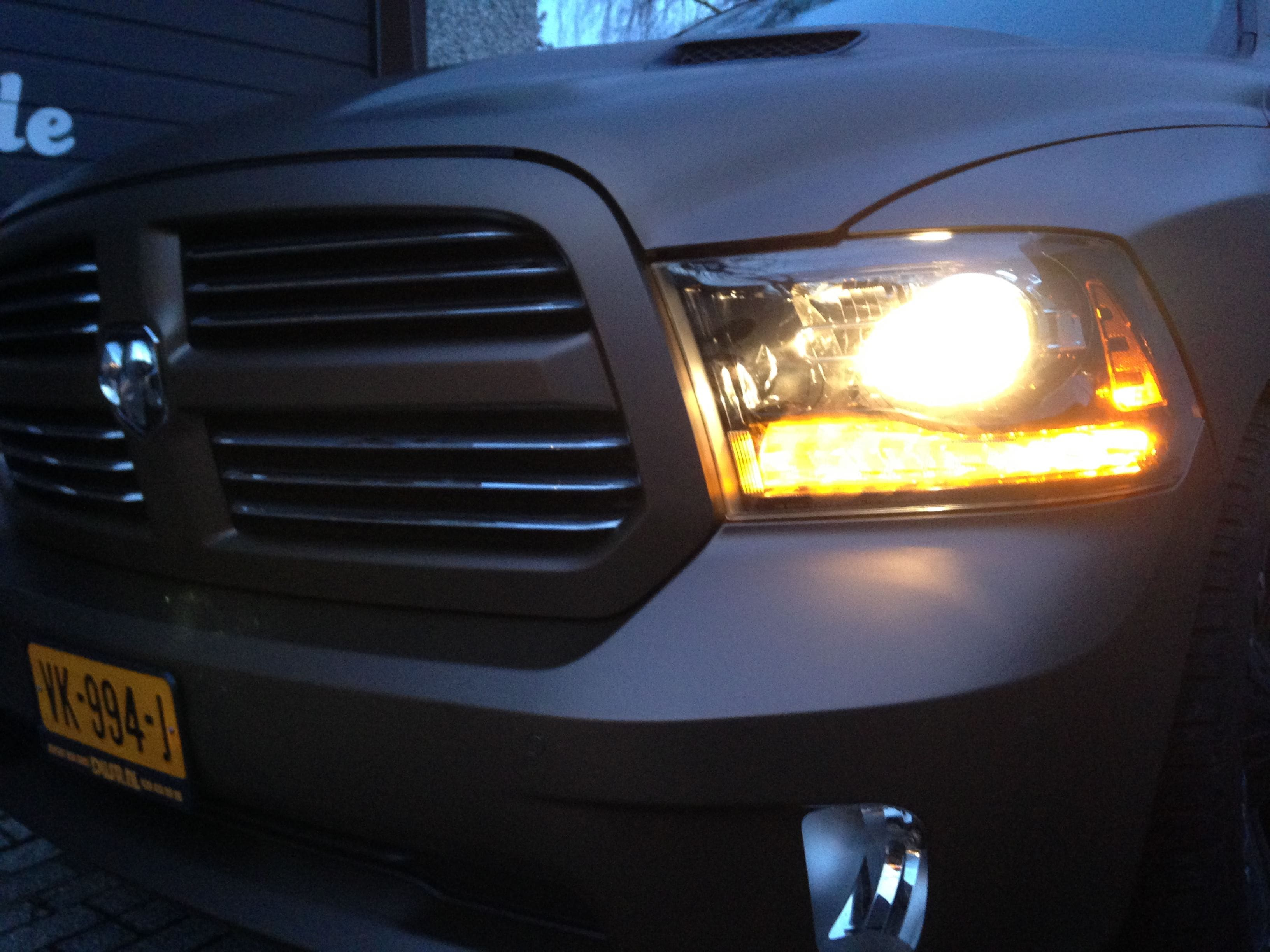 Dodge ram in een Mat metallic Brown Wrap, Carwrapping door Wrapmyride.nu Foto-nr:5604, ©2021