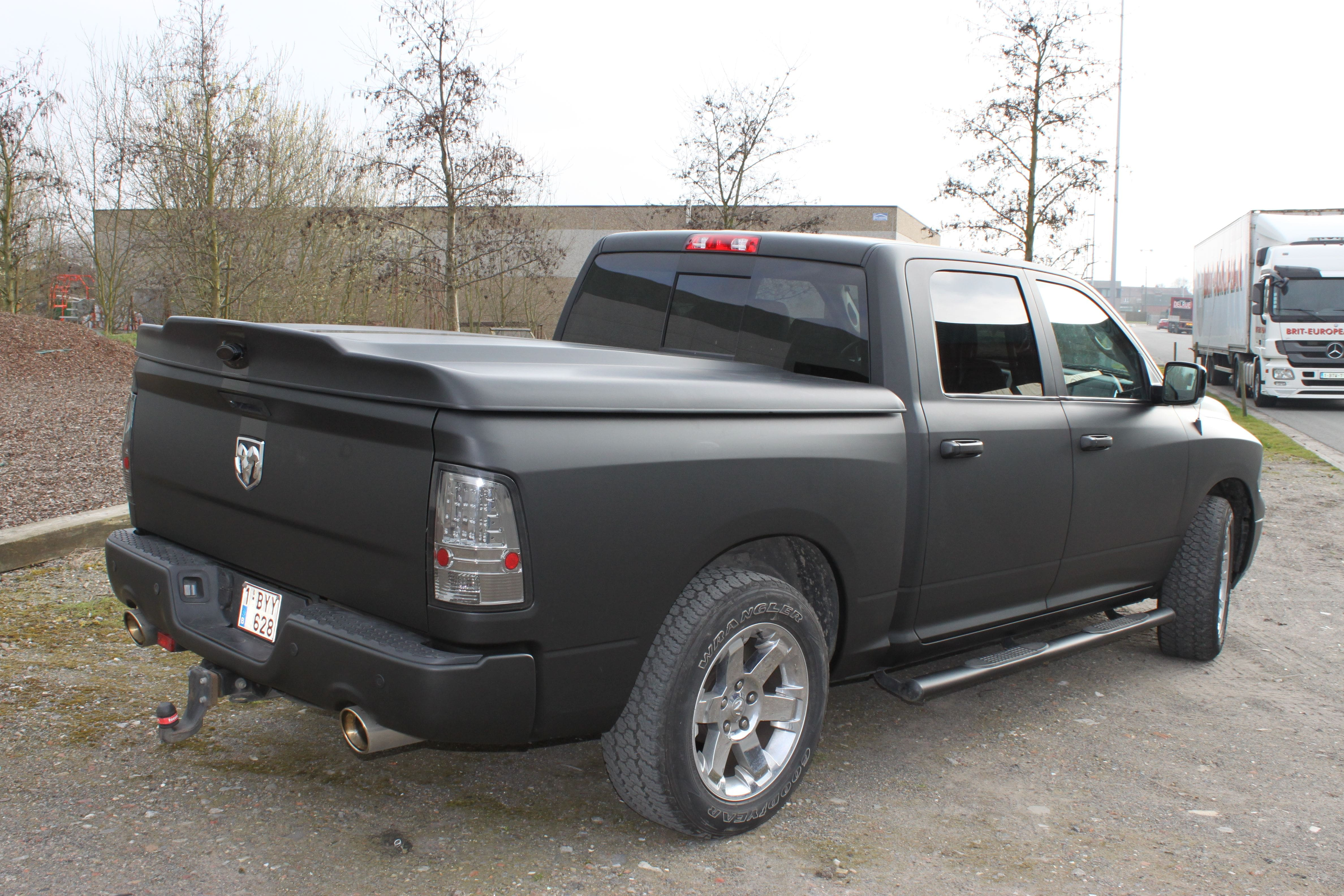 Dodge Ram met Mat Zwarte Wrap, Carwrapping door Wrapmyride.nu Foto-nr:5681, ©2020