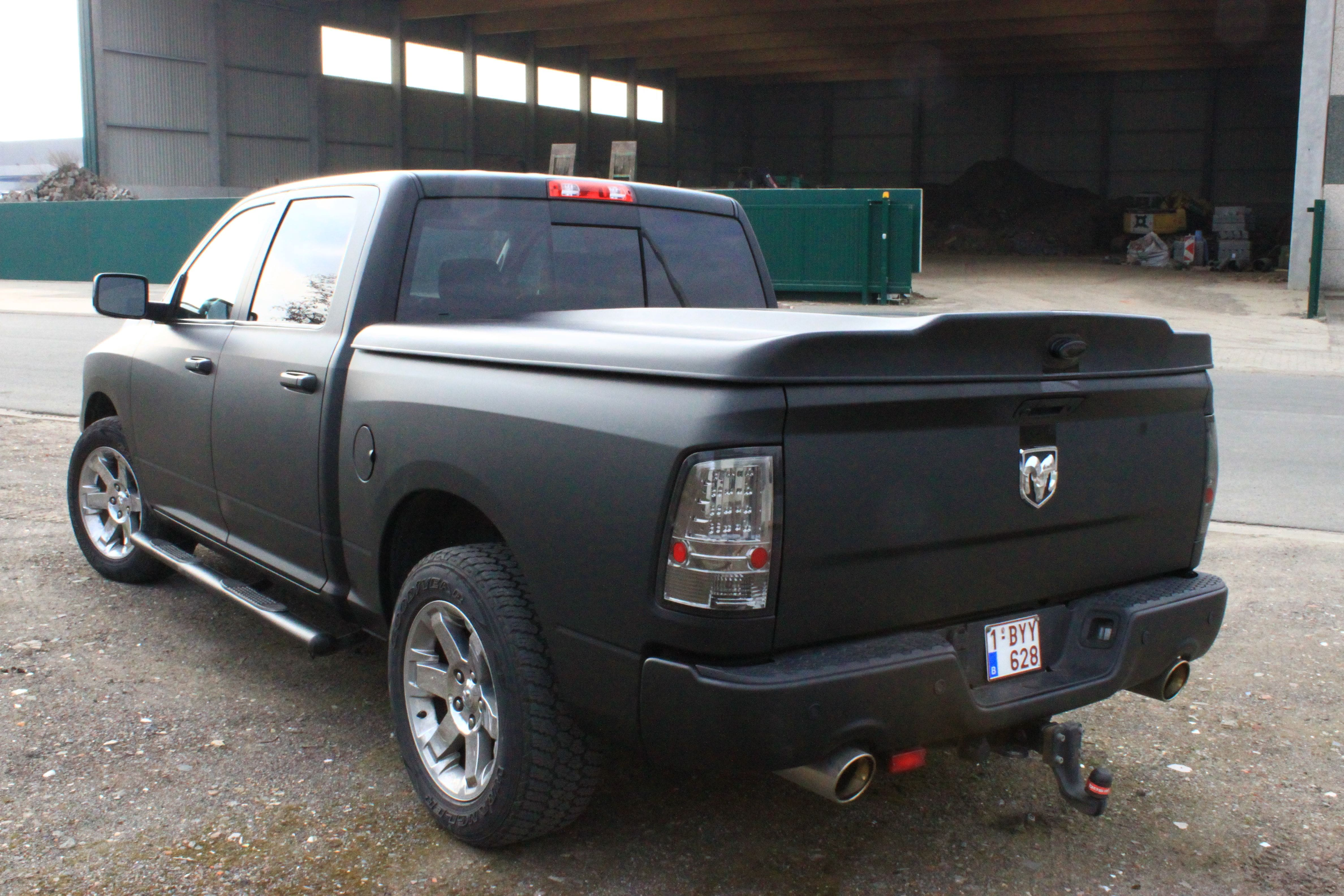 Dodge Ram met Mat Zwarte Wrap, Carwrapping door Wrapmyride.nu Foto-nr:5685, ©2021