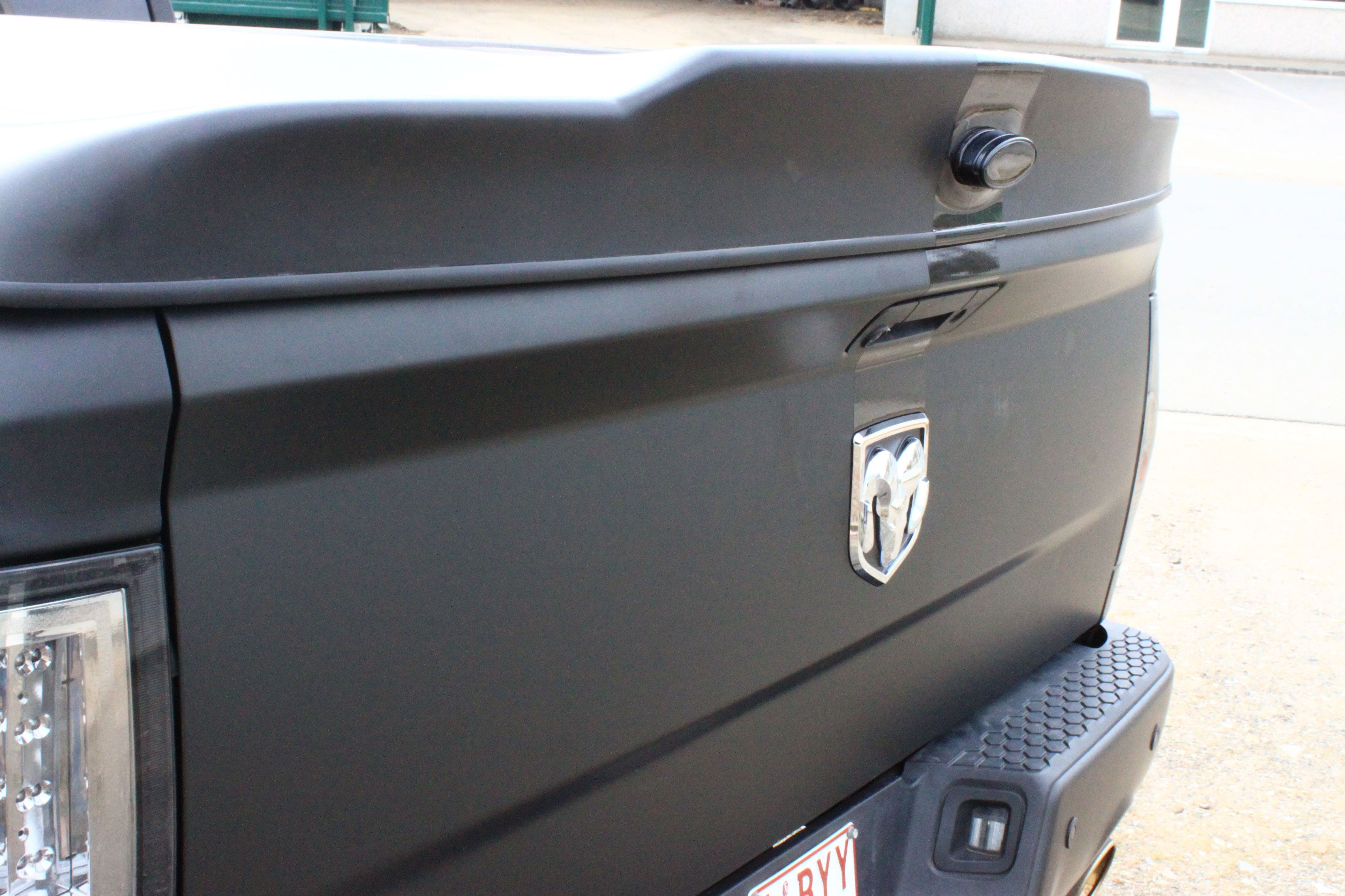 Dodge Ram met Mat Zwarte Wrap, Carwrapping door Wrapmyride.nu Foto-nr:5686, ©2021