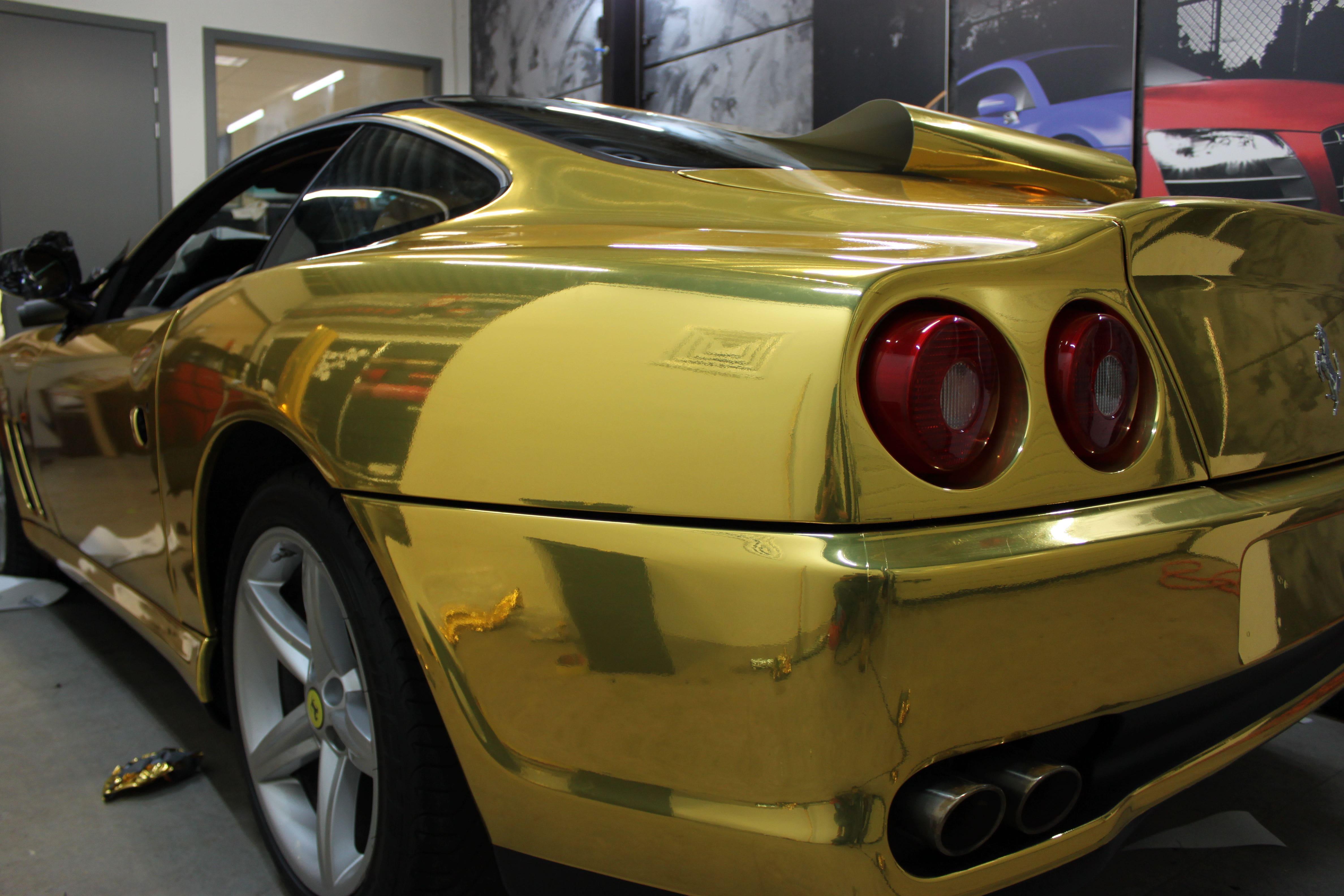 Ferrari 575 met Goud Chrome Wrap., Carwrapping door Wrapmyride.nu Foto-nr:5698, ©2021