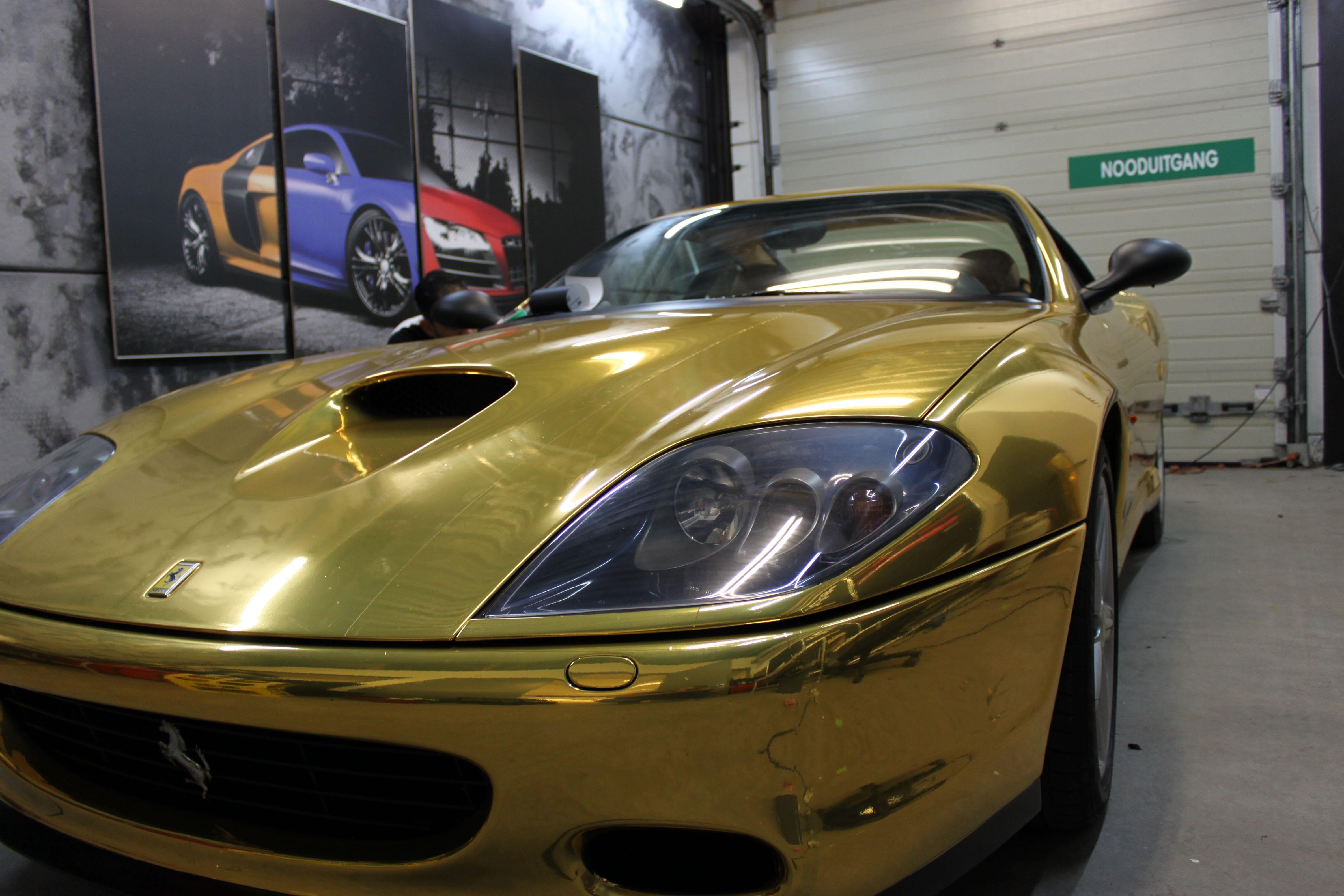 Ferrari 575 met Goud Chrome Wrap., Carwrapping door Wrapmyride.nu Foto-nr:5702, ©2021