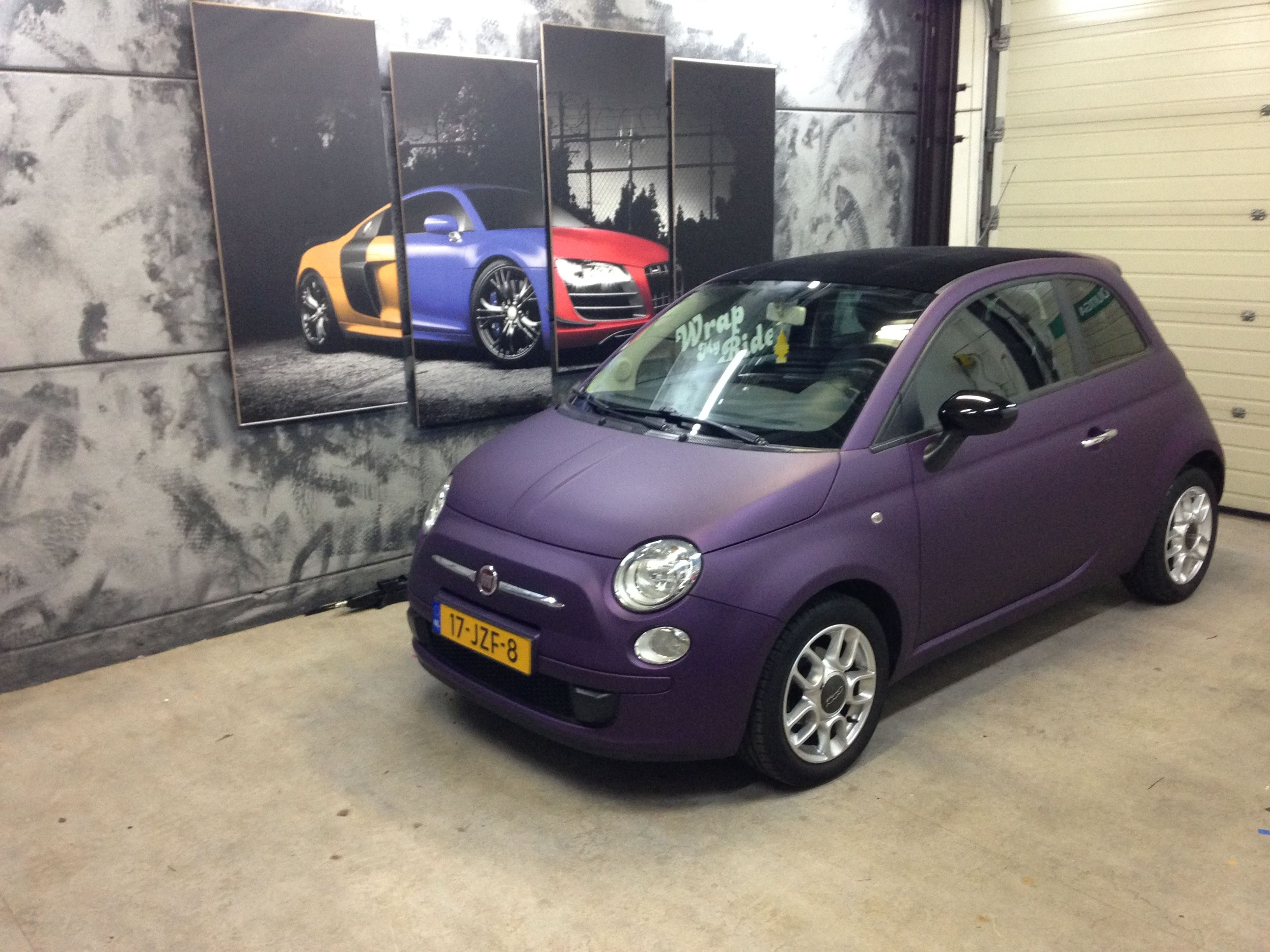 Fiat 500 met Cyber Grape Wrap, Carwrapping door Wrapmyride.nu Foto-nr:5714, ©2021