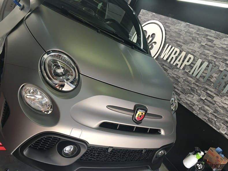 Fiat 595 Abart naar matte grey Aluminium, Carwrapping door Wrapmyride.nu Foto-nr:10028, ©2020