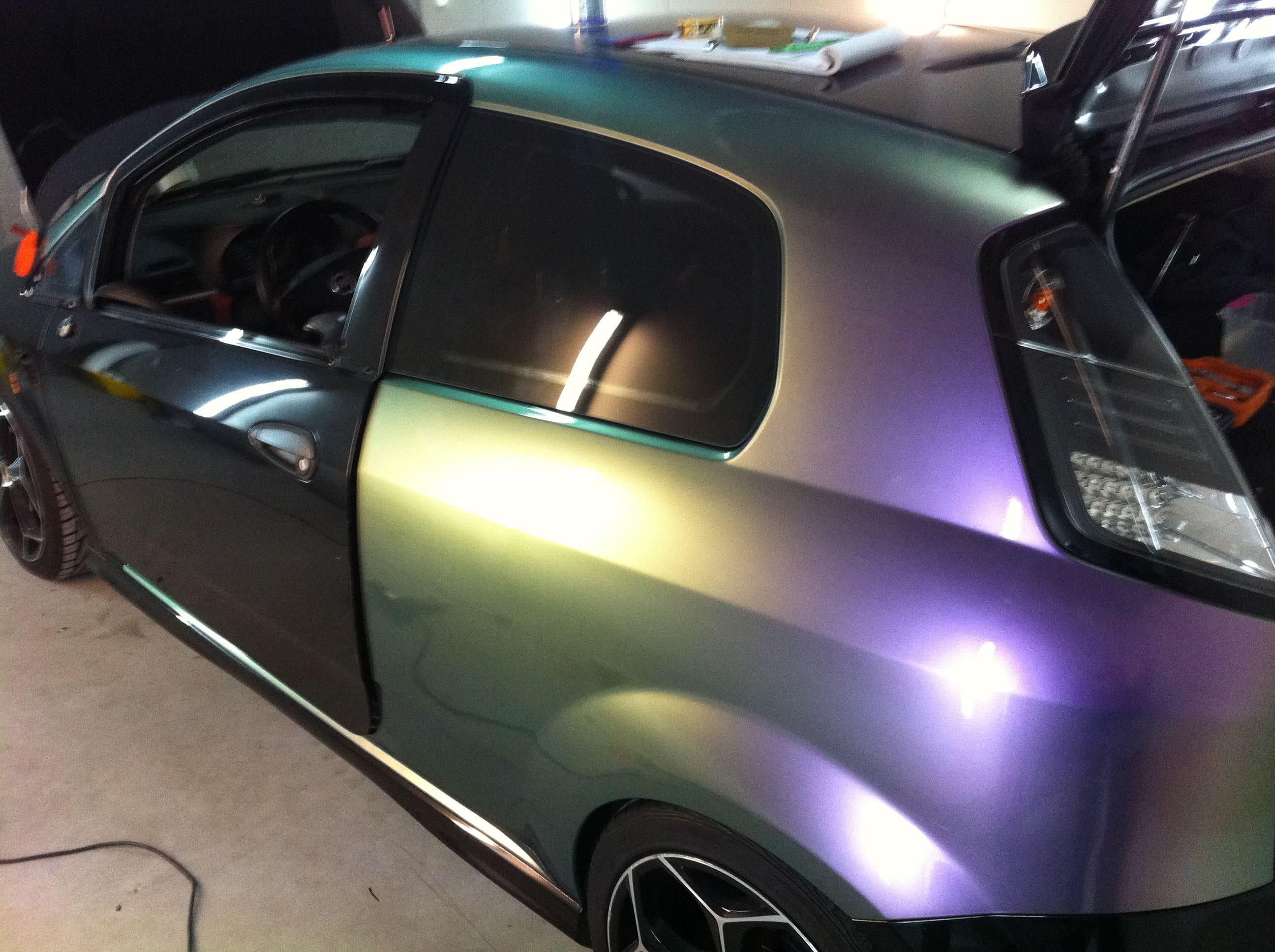 Fiat Grande Punto in een Chameleon Color Wrap, Carwrapping door Wrapmyride.nu Foto-nr:5746, ©2020