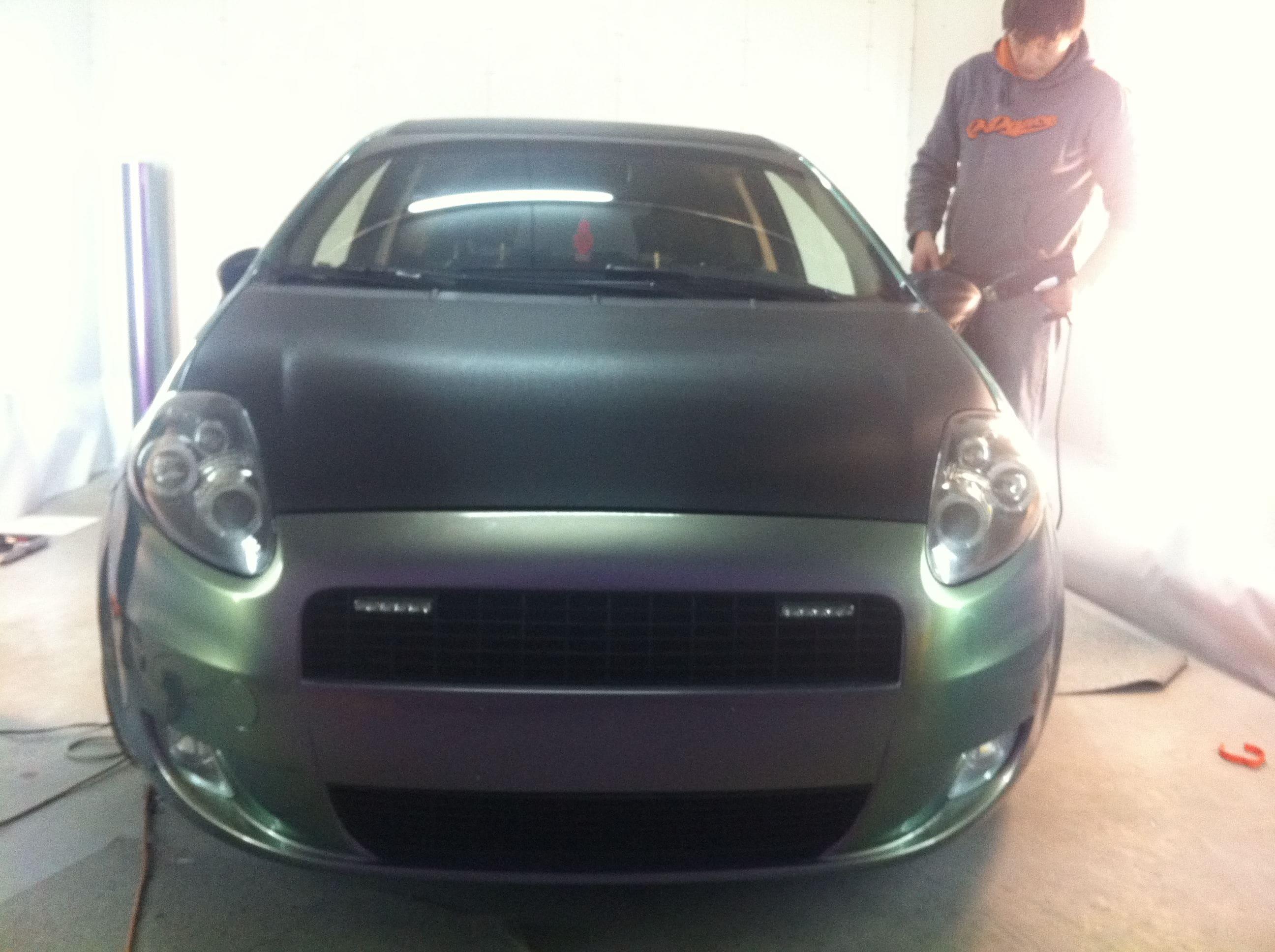 Fiat Grande Punto in een Chameleon Color Wrap, Carwrapping door Wrapmyride.nu Foto-nr:5750, ©2020
