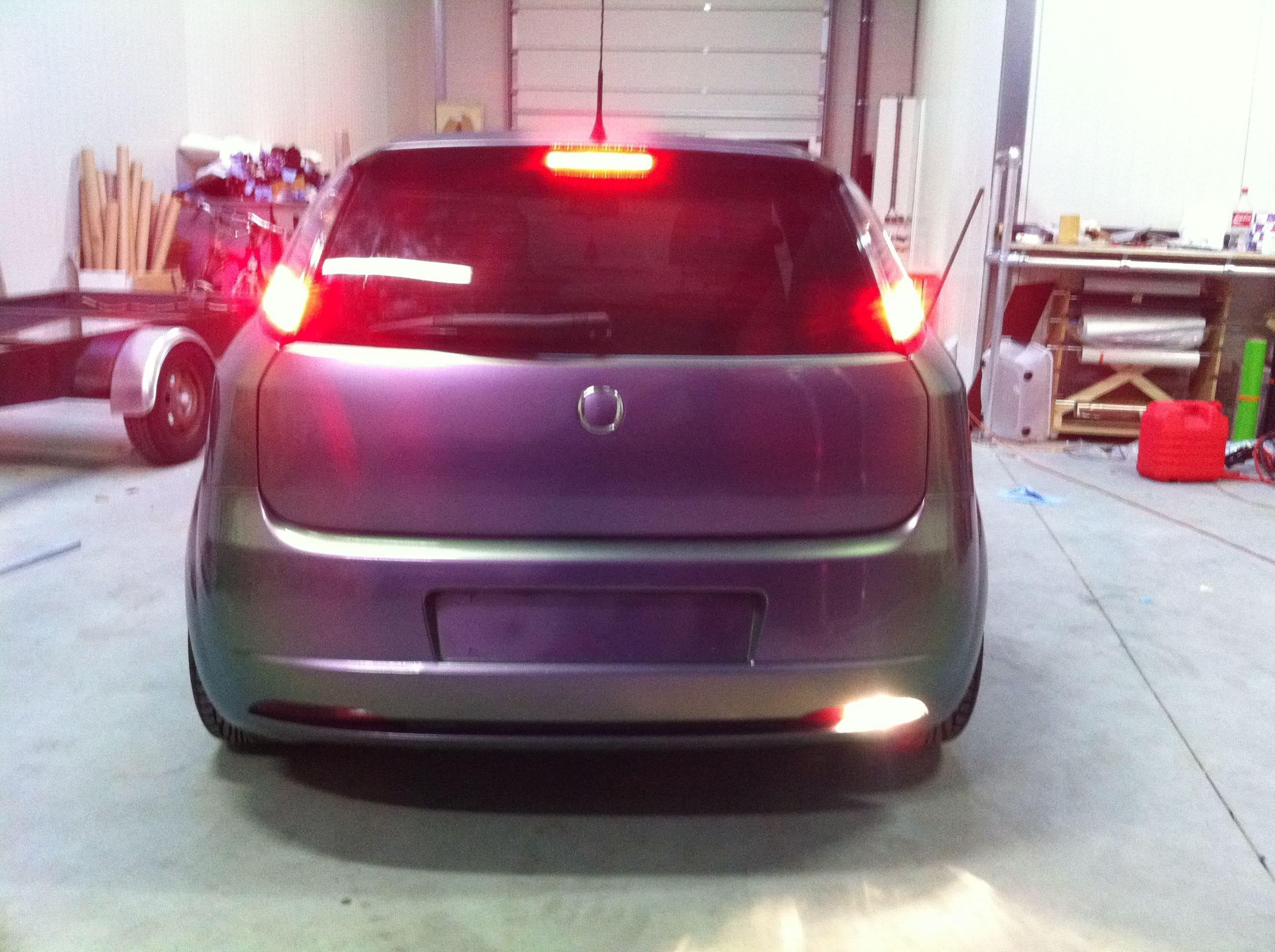 Fiat Grande Punto in een Chameleon Color Wrap, Carwrapping door Wrapmyride.nu Foto-nr:5751, ©2020