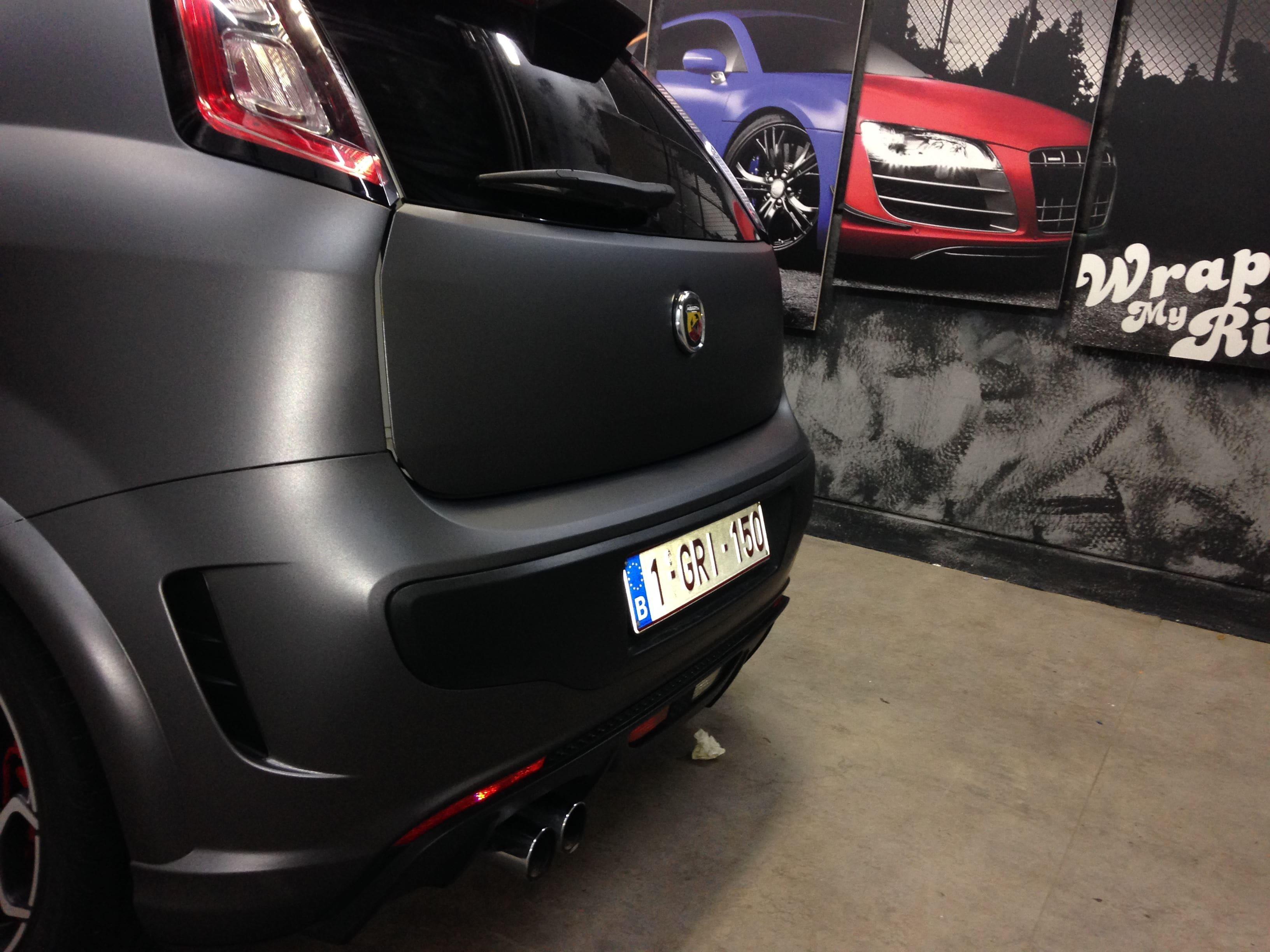 Fiat Punto Abarth met een Gunpowder Wrap, Carwrapping door Wrapmyride.nu Foto-nr:5771, ©2020