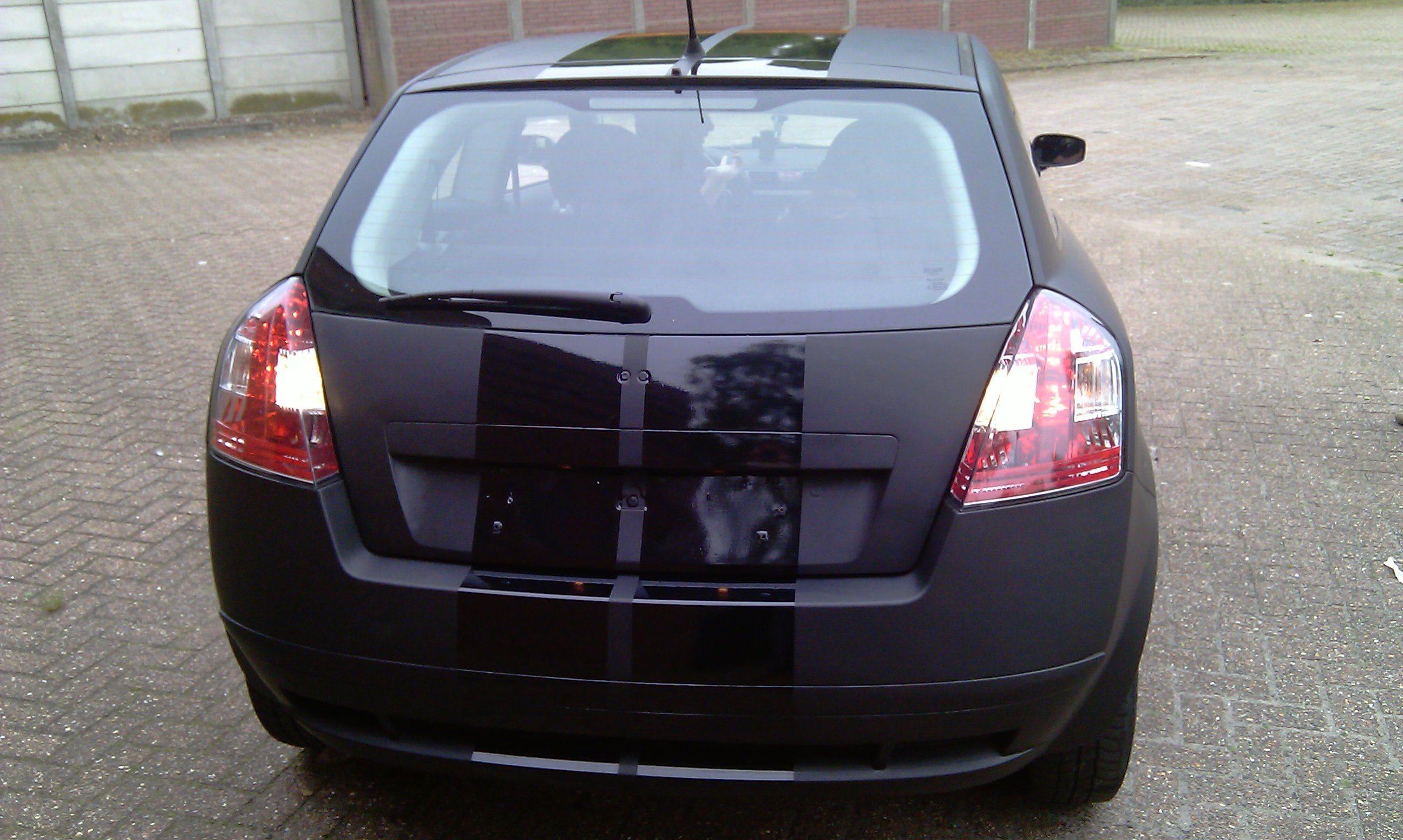 Fiat Stylo met Mat Zwarte Wrap en Glossy zwarte Striping, Carwrapping door Wrapmyride.nu Foto-nr:5776, ©2021