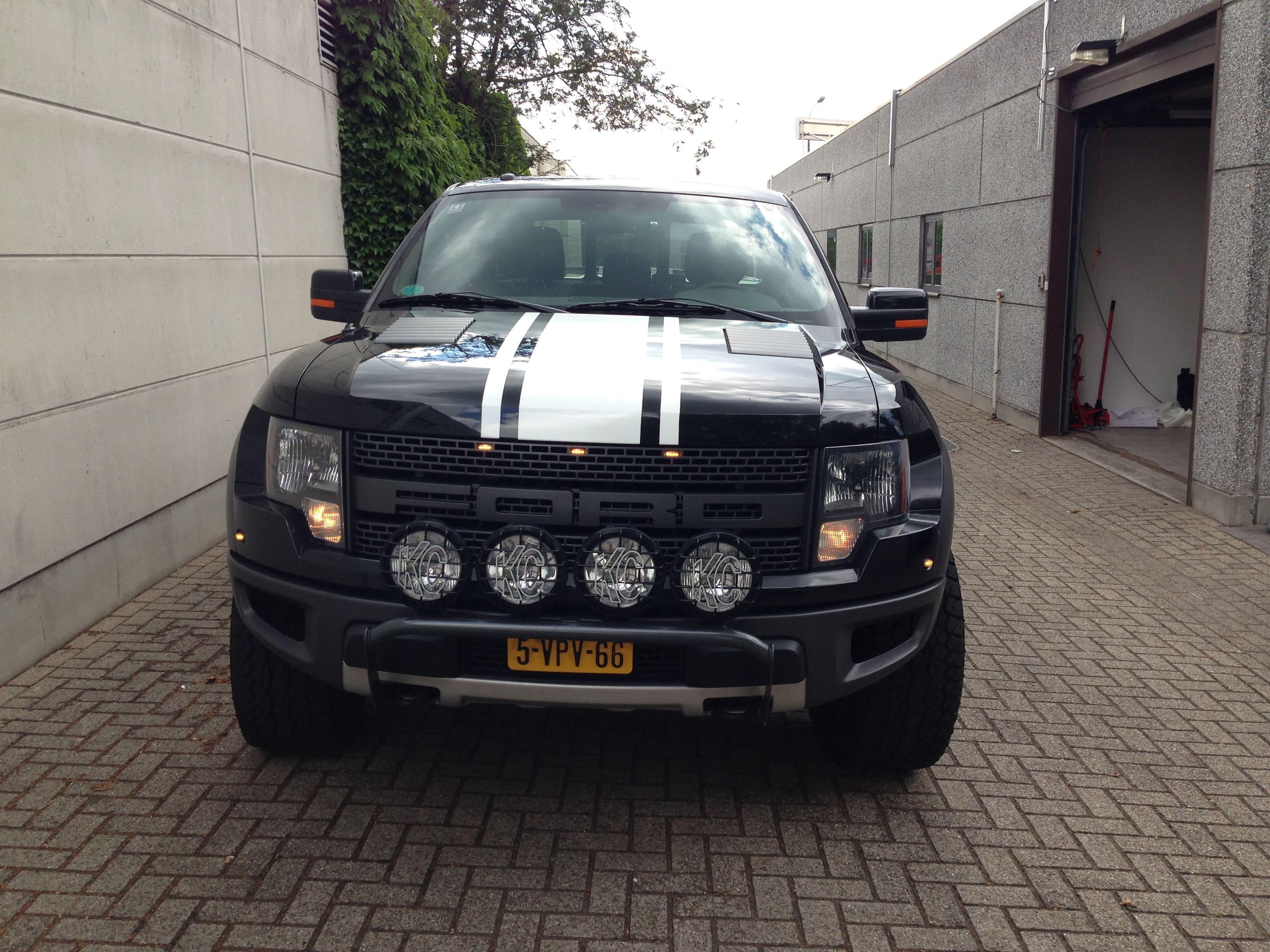 Ford F150 Raptor met Witte Striping, Carwrapping door Wrapmyride.nu Foto-nr:7460, ©2021