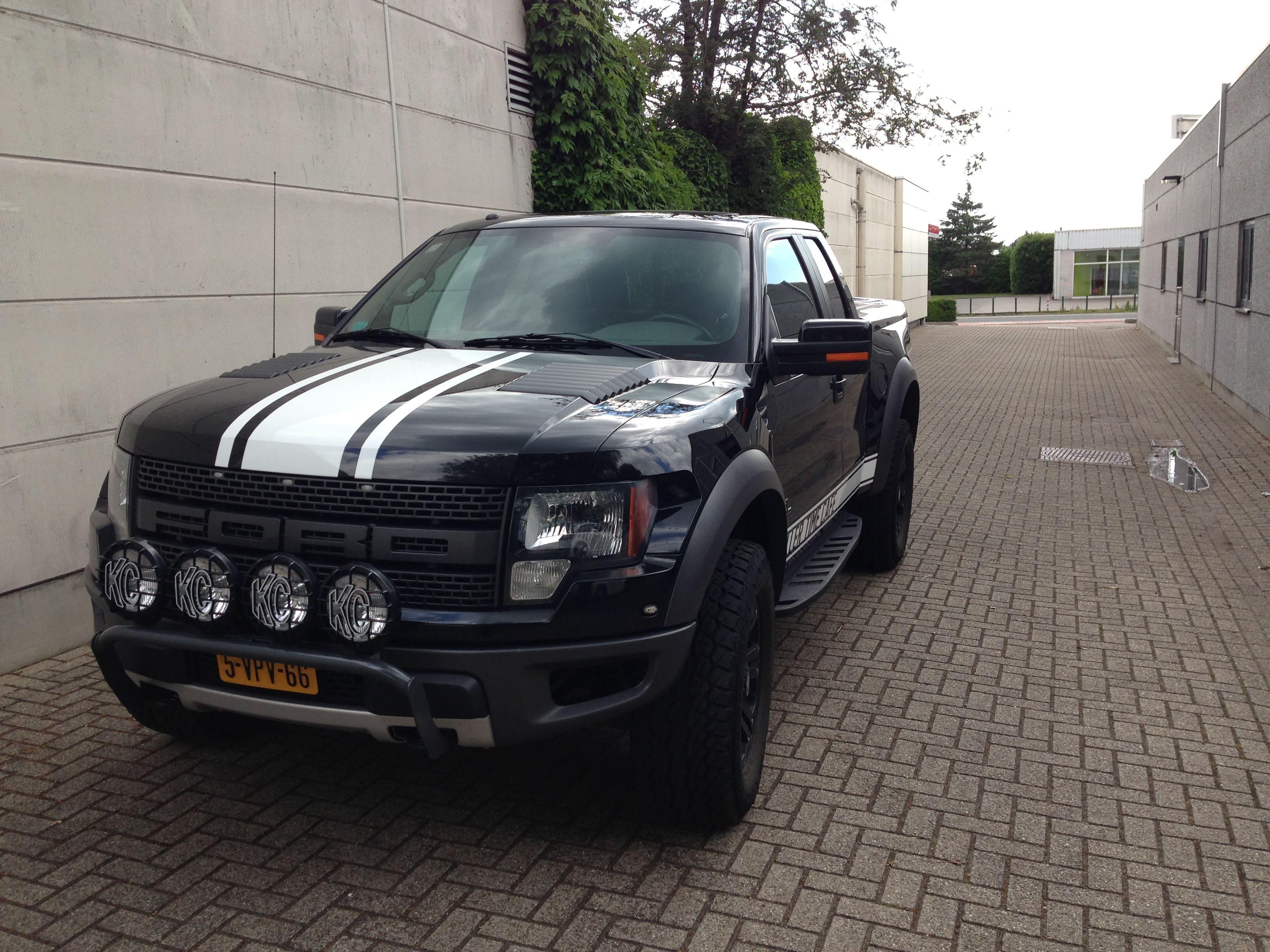 Ford F150 Raptor met Witte Striping, Carwrapping door Wrapmyride.nu Foto-nr:7461, ©2021