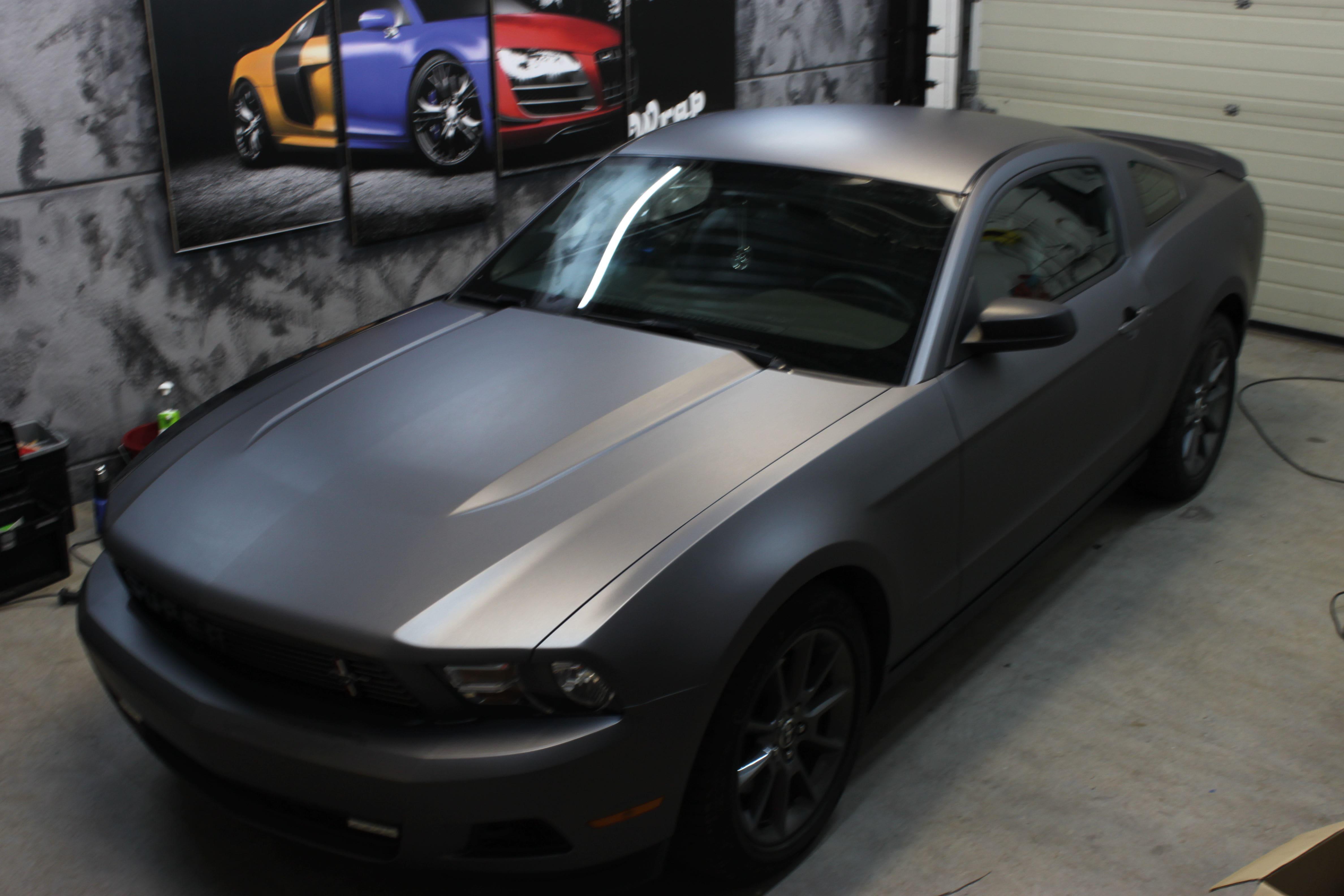 Ford Mustang 2009 met Gunpowder Wrap, Carwrapping door Wrapmyride.nu Foto-nr:5815, ©2021