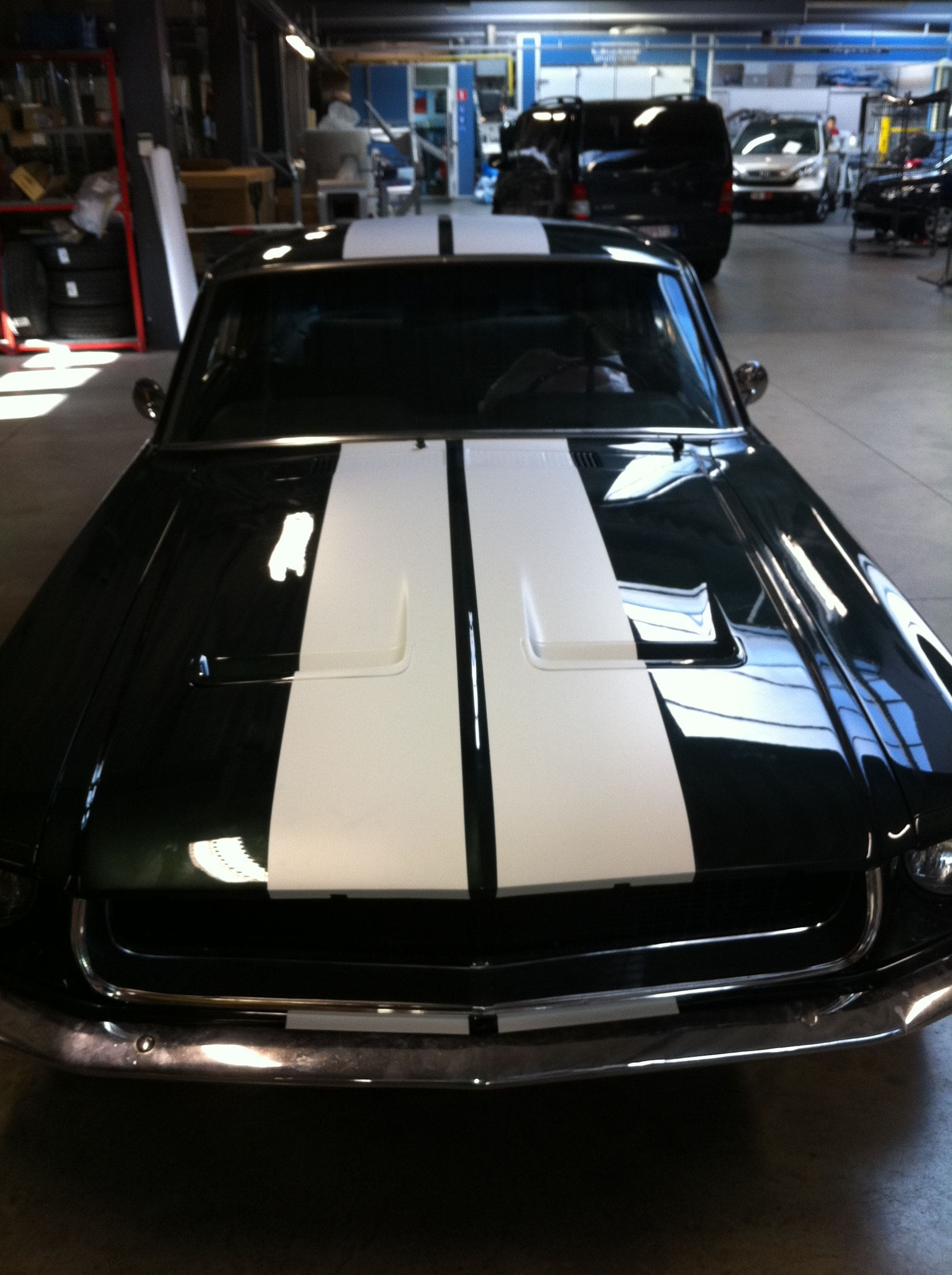 Ford Mustang '69 met Witte Striping, Carwrapping door Wrapmyride.nu Foto-nr:5805, ©2021