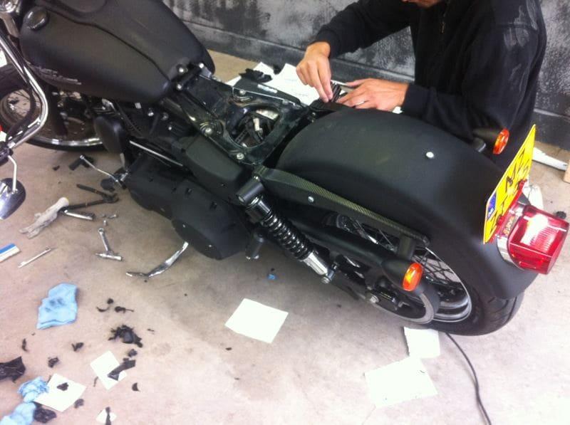 Harley Davidson met Mat Zwarte Wrap, Carwrapping door Wrapmyride.nu Foto-nr:5871, ©2020