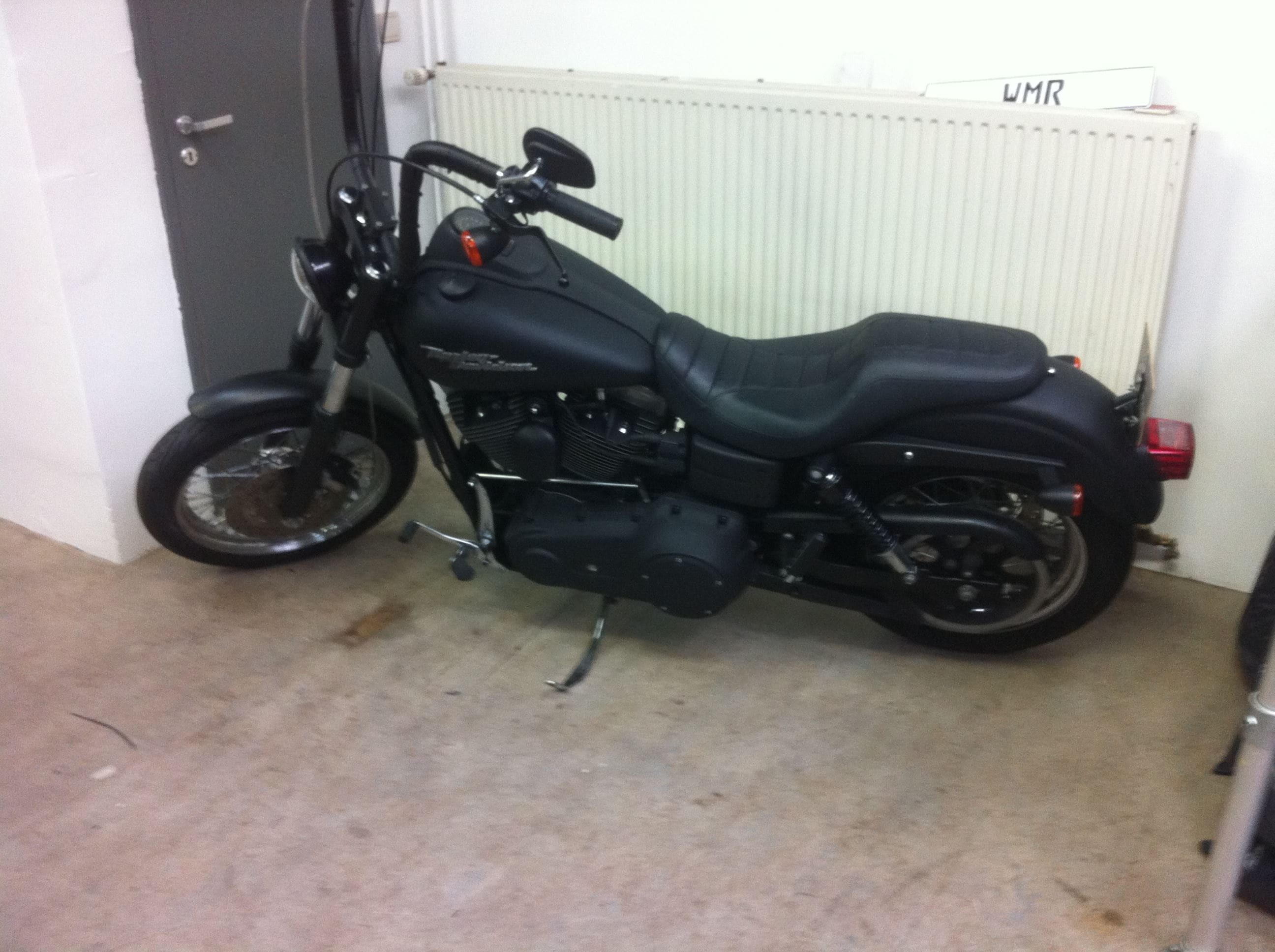 Harley Davidson met Mat Zwarte Wrap, Carwrapping door Wrapmyride.nu Foto-nr:5874, ©2020