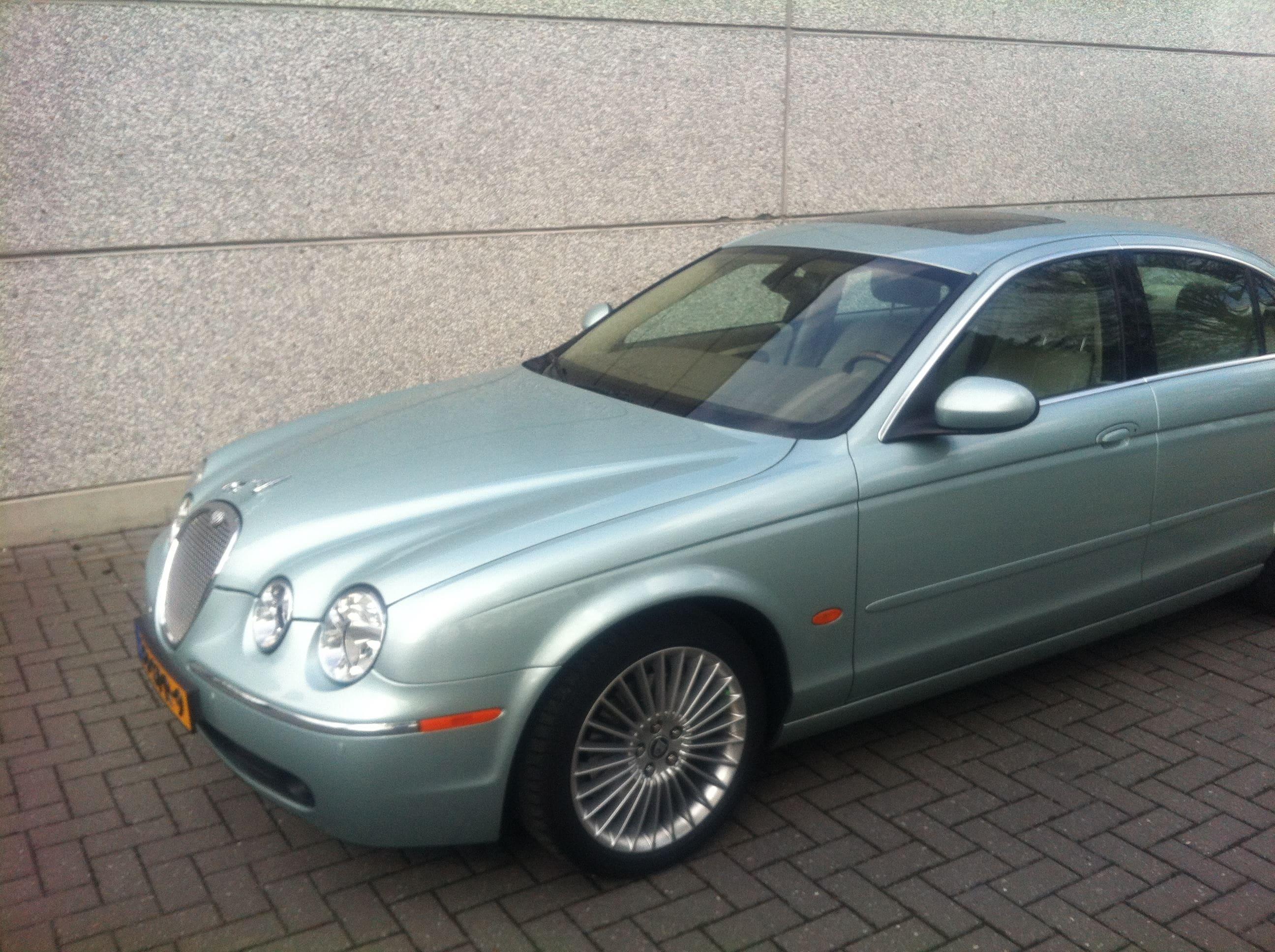 Jaguar S-type met Zwarte Metallic Wrap, Carwrapping door Wrapmyride.nu Foto-nr:5901, ©2020