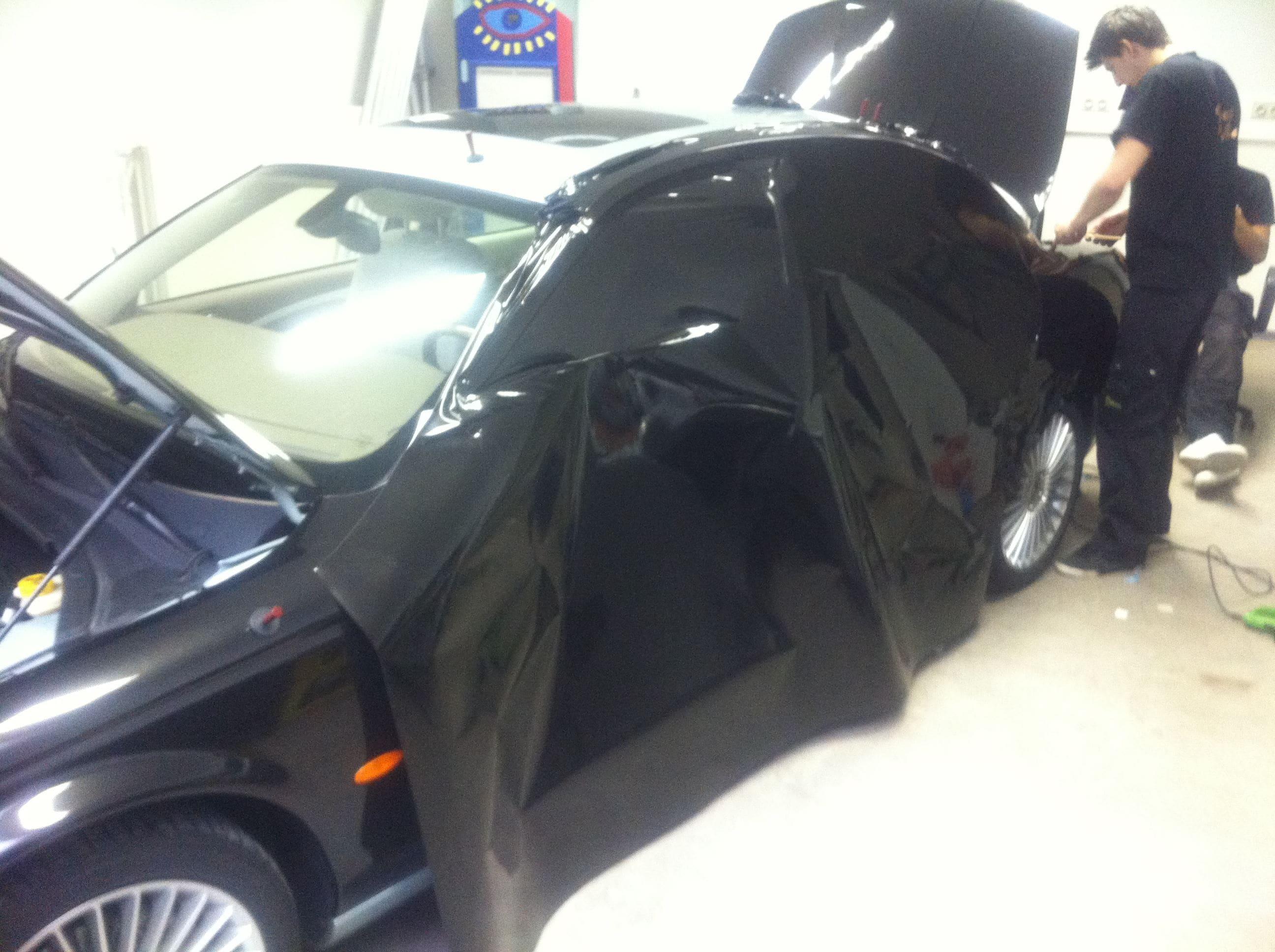 Jaguar S-type met Zwarte Metallic Wrap, Carwrapping door Wrapmyride.nu Foto-nr:5904, ©2020