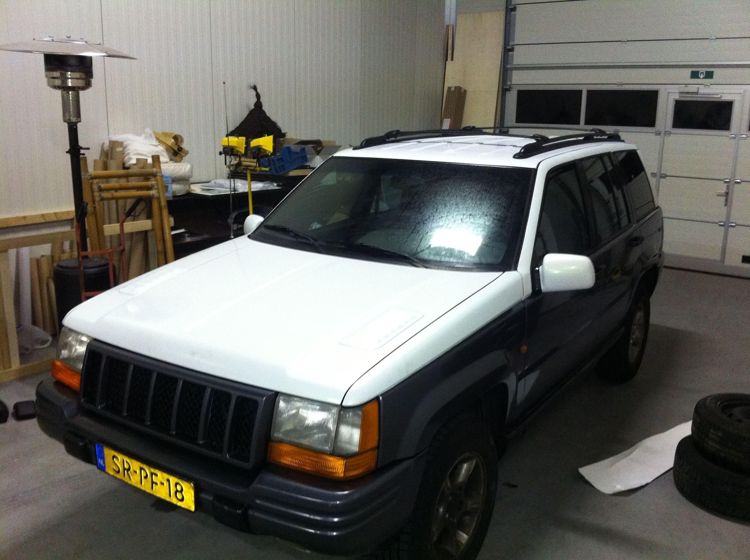 Jeep Grand Cherokee 5.9 met een Two-Tone Wrap, Carwrapping door Wrapmyride.nu Foto-nr:5922, ©2021
