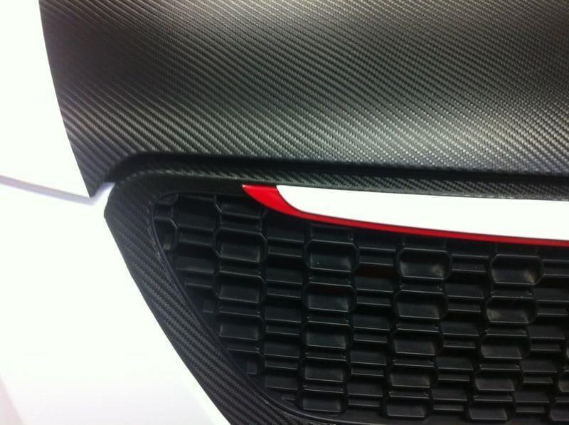 Kia Cee'd XR met Carbon en Witte Wrap, Carwrapping door Wrapmyride.nu Foto-nr:5954, ©2020