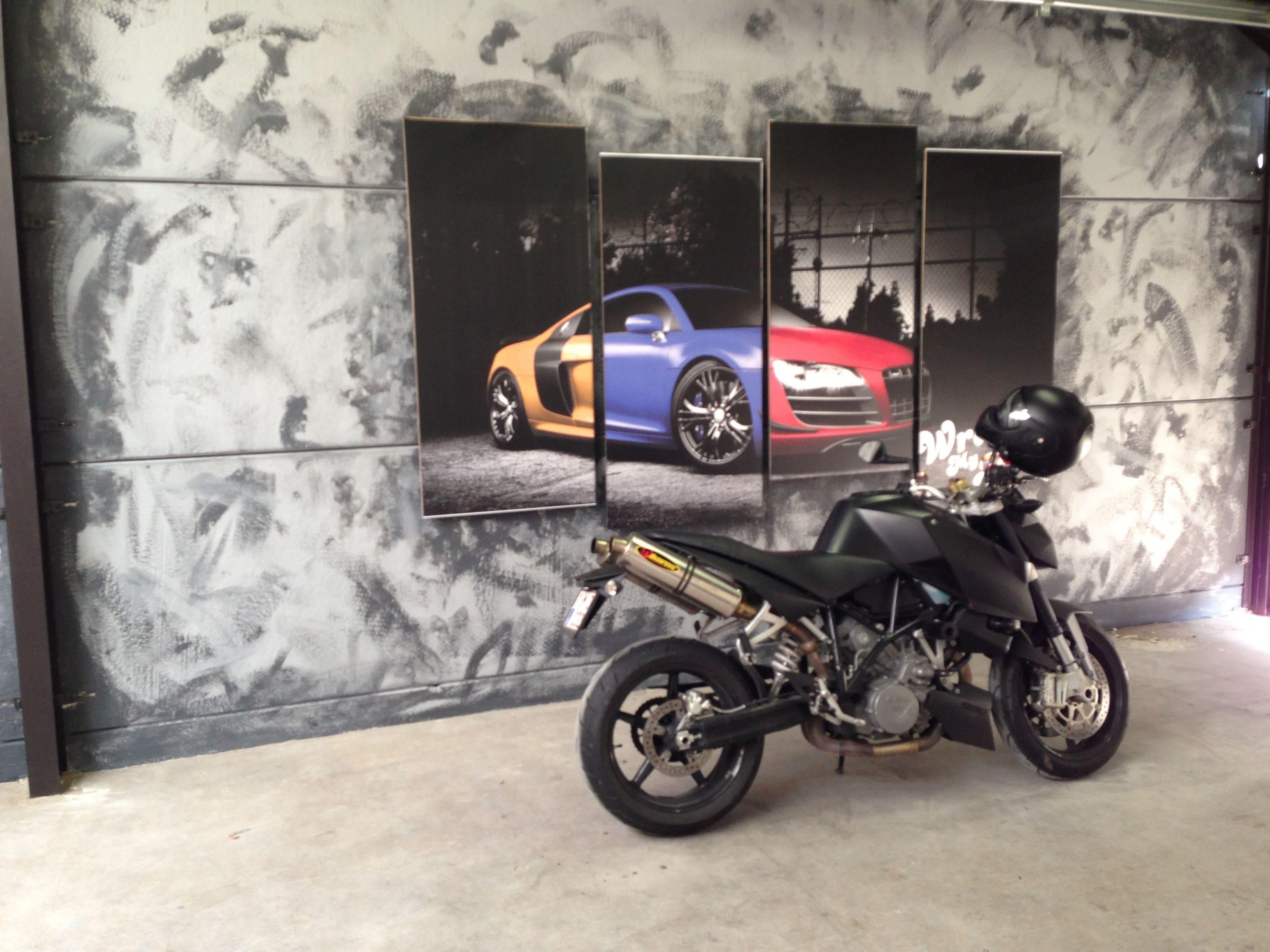 KTM Superduke met Mat Zwarte Wrap, Carwrapping door Wrapmyride.nu Foto-nr:5965, ©2020