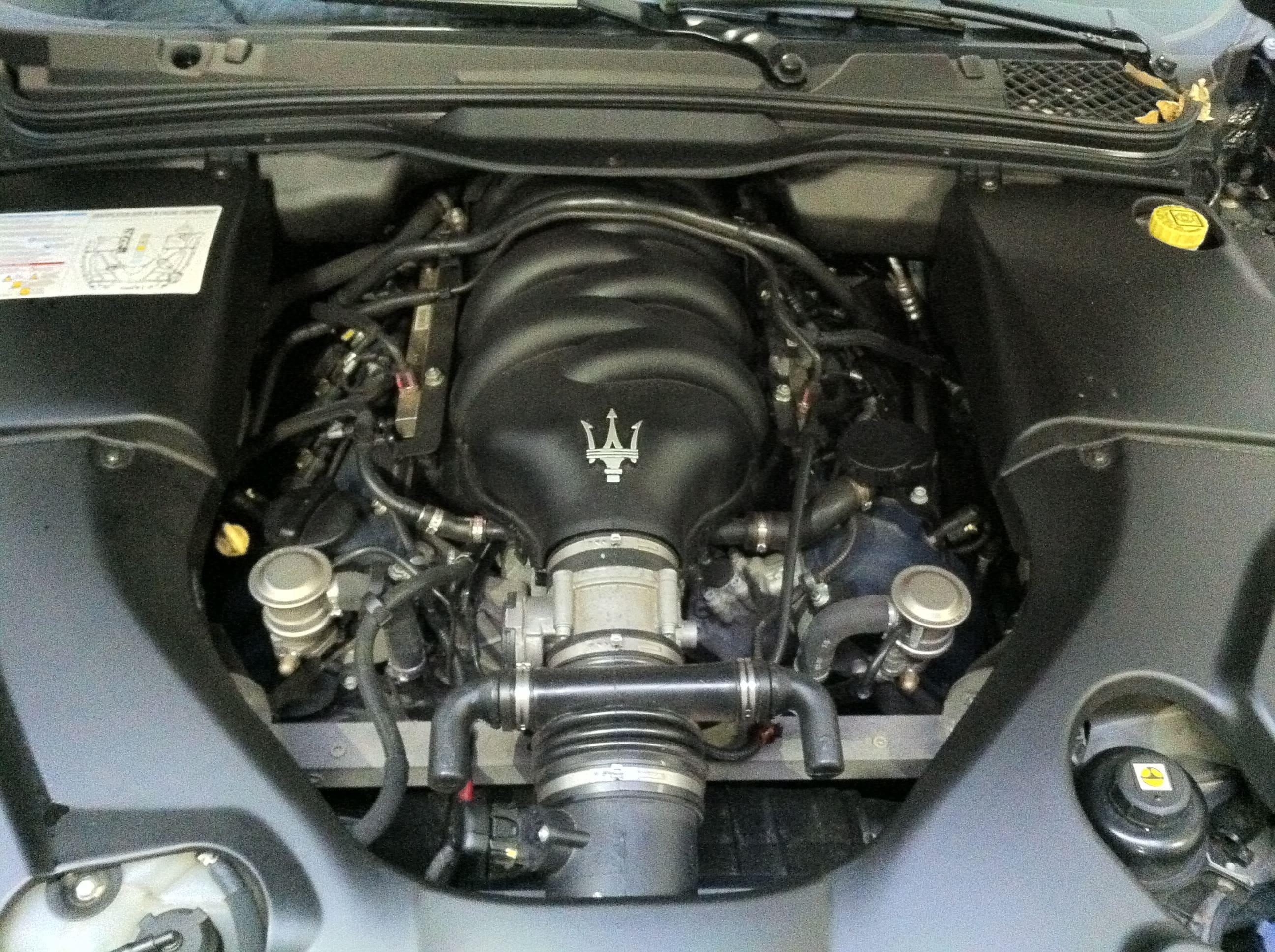 Maserati Gran Turismo met Mat Zwarte Wrap, Carwrapping door Wrapmyride.nu Foto-nr:6032, ©2020