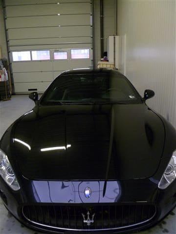Maserati Gran Turismo met Mat Zwarte Wrap, Carwrapping door Wrapmyride.nu Foto-nr:6039, ©2020