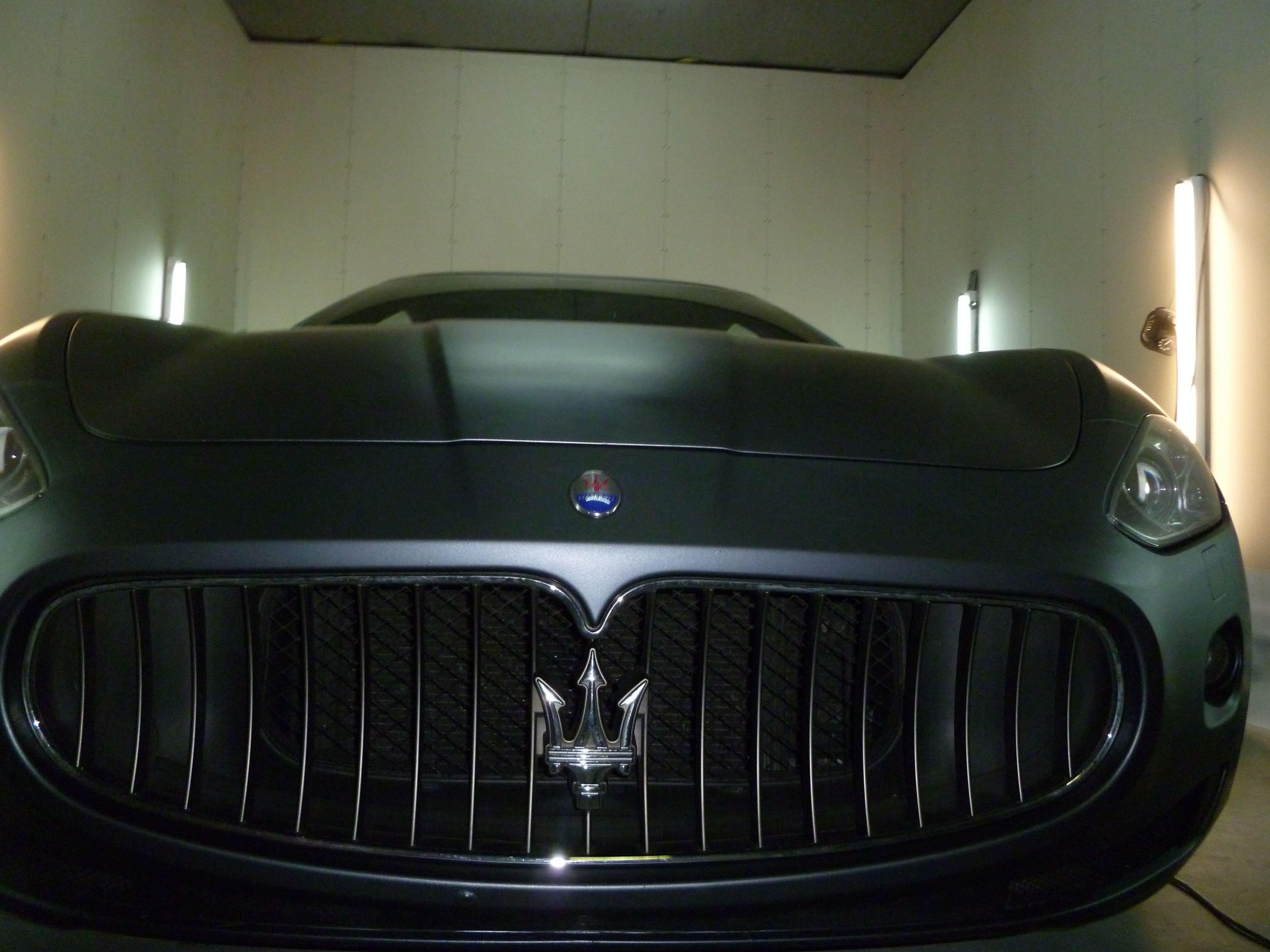 Maserati Gran Turismo met Mat Zwarte Wrap, Carwrapping door Wrapmyride.nu Foto-nr:6055, ©2020