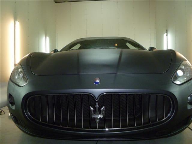 Maserati Gran Turismo met Mat Zwarte Wrap, Carwrapping door Wrapmyride.nu Foto-nr:6056, ©2020