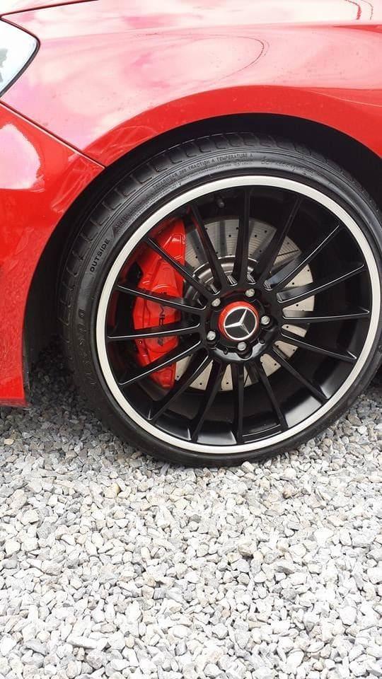 Mercedes AMG met Hoogglans Rode Wrap en Zwarte Accenten, Carwrapping door Wrapmyride.nu Foto-nr:6079, ©2020
