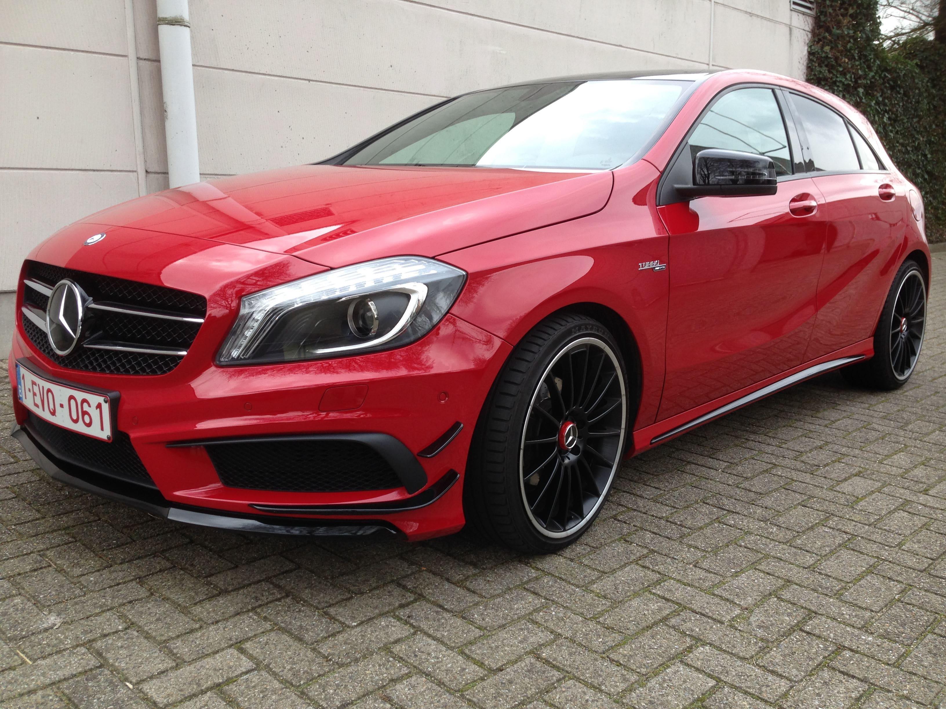 Mercedes AMG met Hoogglans Rode Wrap en Zwarte Accenten, Carwrapping door Wrapmyride.nu Foto-nr:6082, ©2020