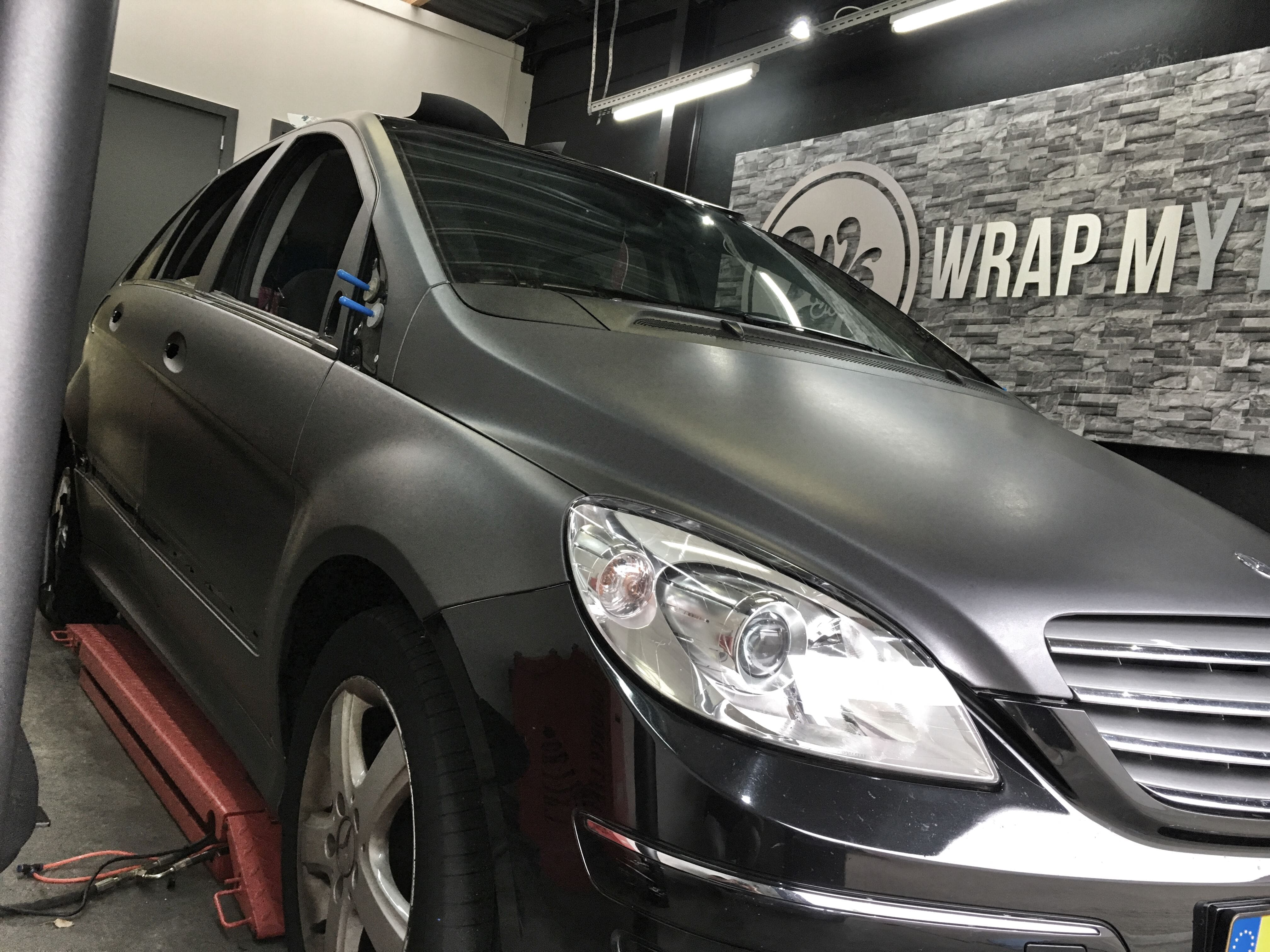 Mercedes B-klasse matte dark grey, Carwrapping door Wrapmyride.nu Foto-nr:9294, ©2021