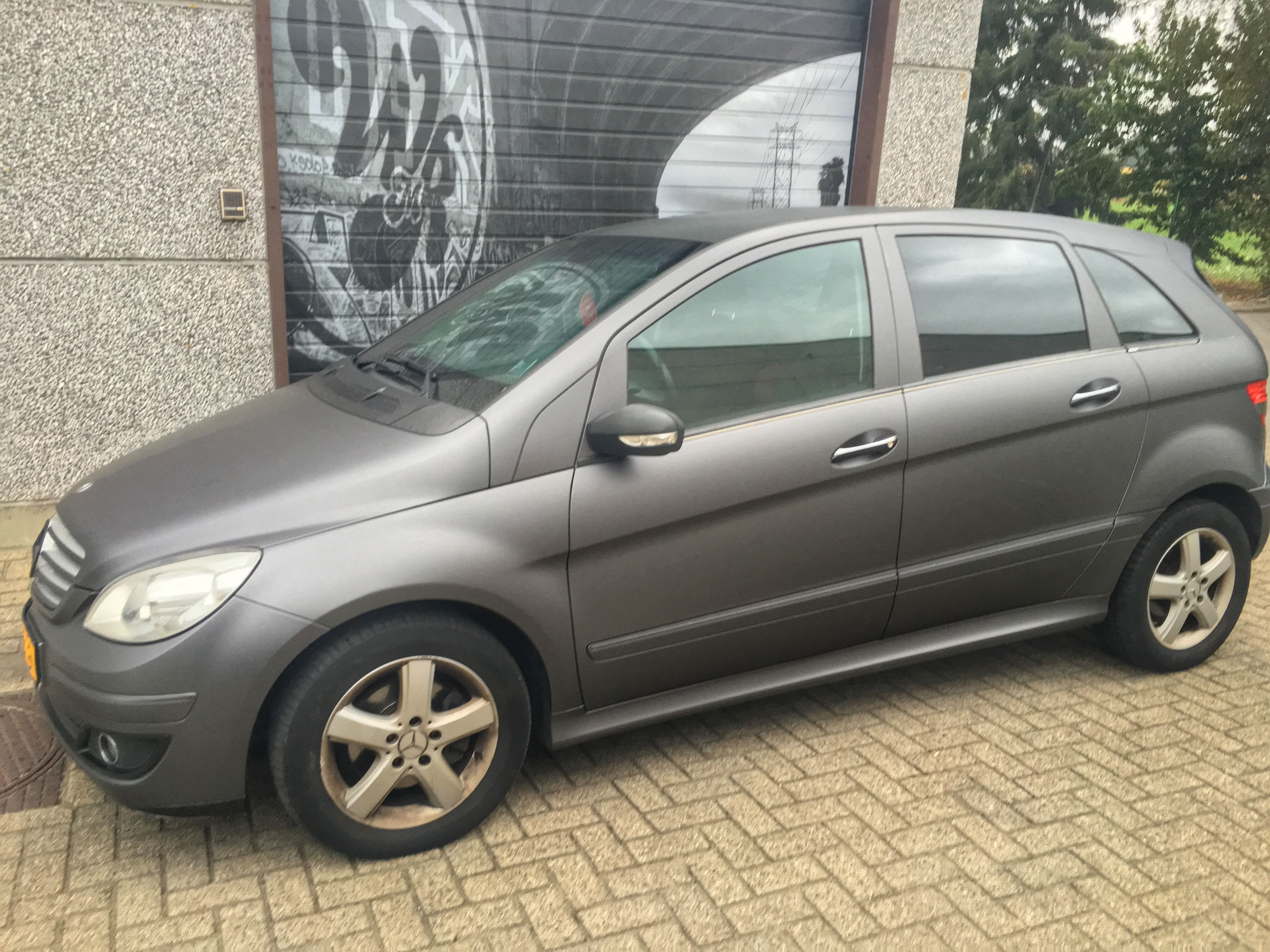 Mercedes B-klasse matte dark grey, Carwrapping door Wrapmyride.nu Foto-nr:9288, ©2021