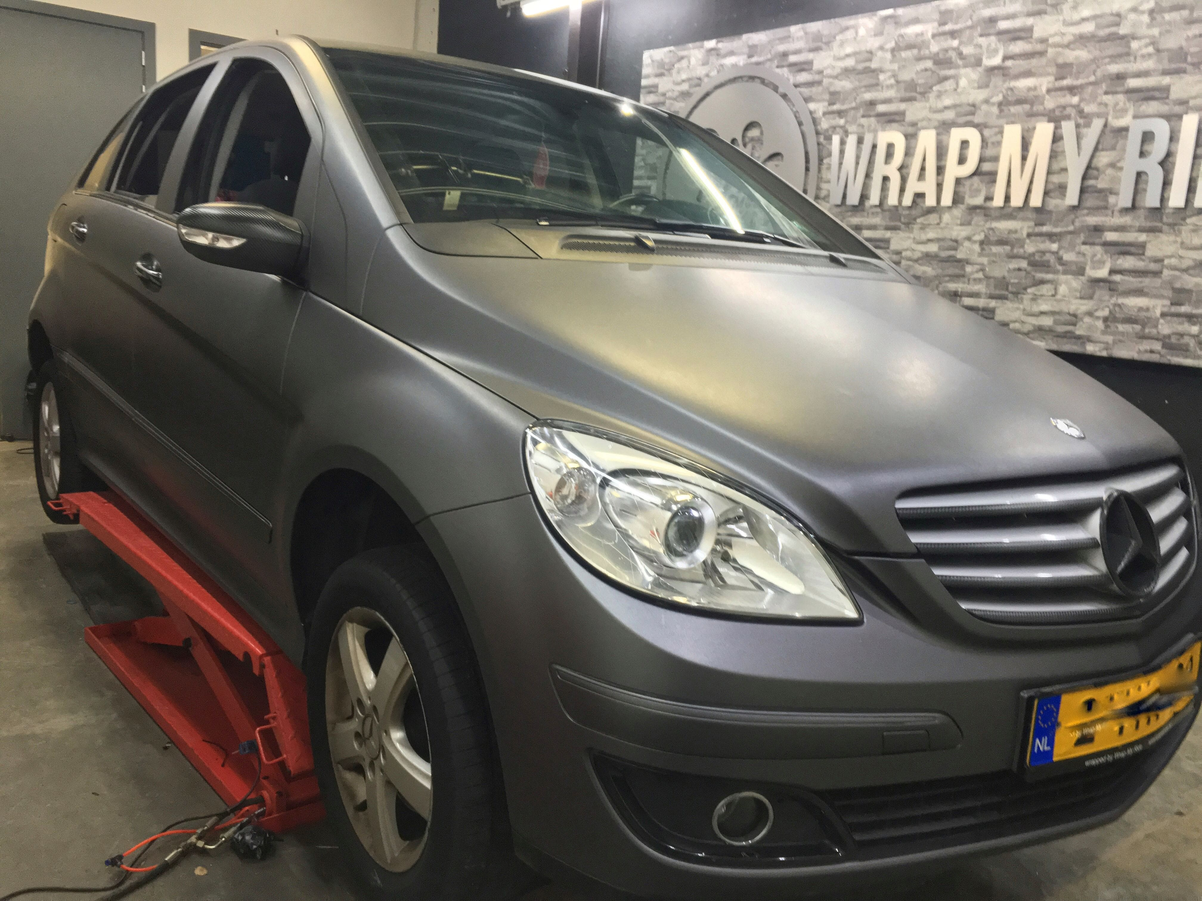 Mercedes B-klasse matte dark grey, Carwrapping door Wrapmyride.nu Foto-nr:9286, ©2021