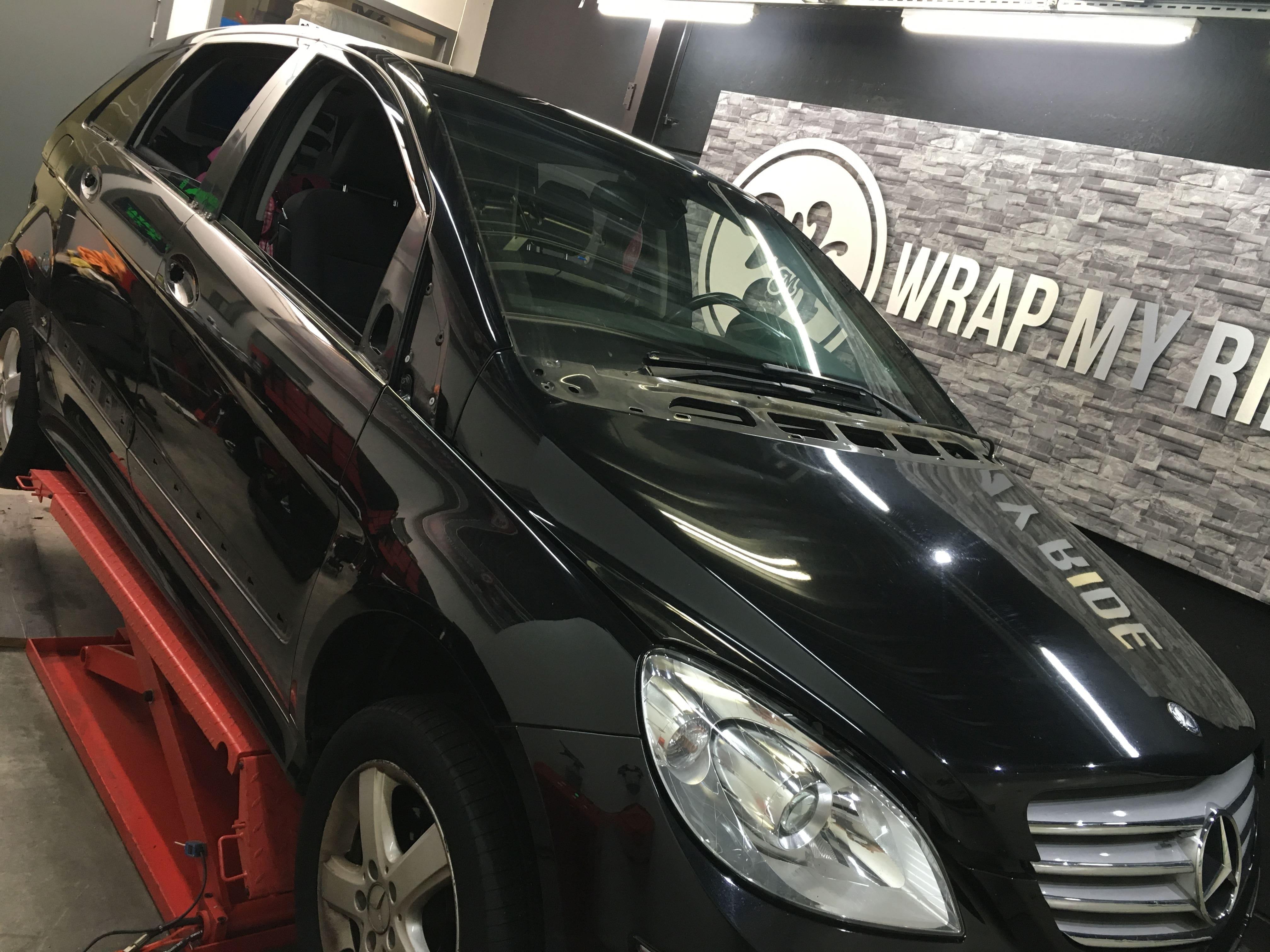 Mercedes B-klasse matte dark grey, Carwrapping door Wrapmyride.nu Foto-nr:9314, ©2020